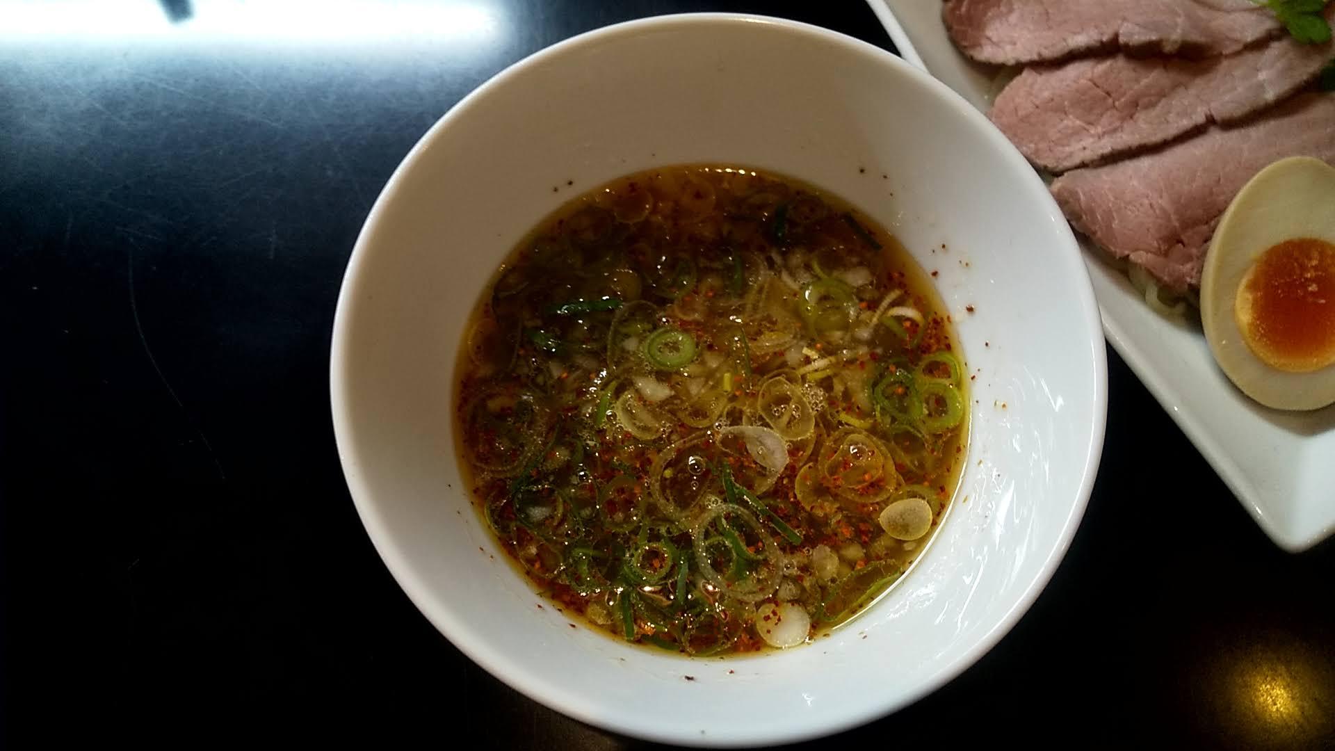 マタドールの贅沢焼牛つけ麺のつけ汁