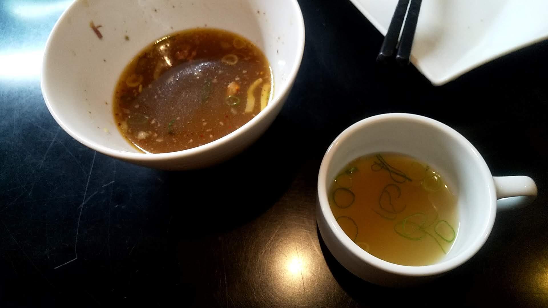 マタドールの贅沢焼牛つけ麺の割りスープ