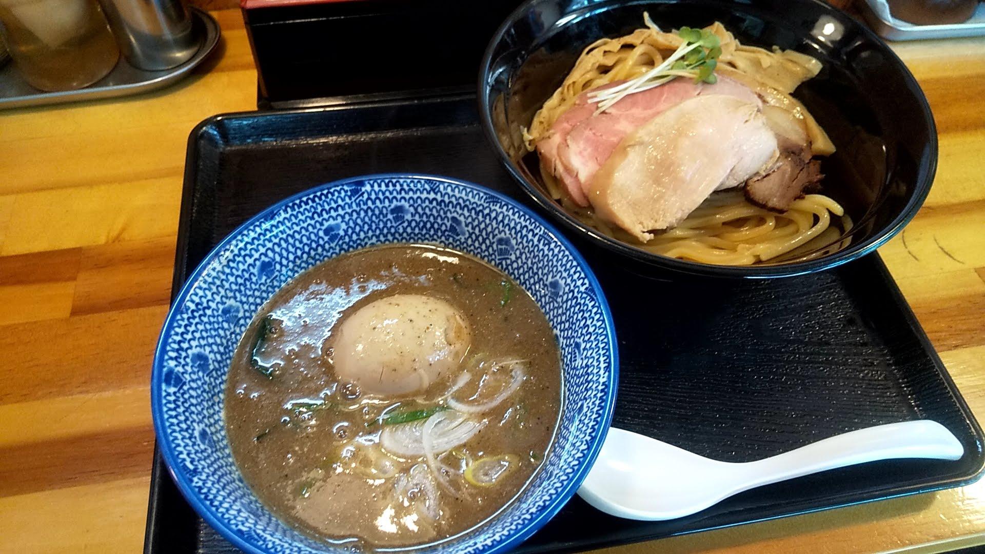 中川會頂の魚介豚骨つけ麺特製トッピング