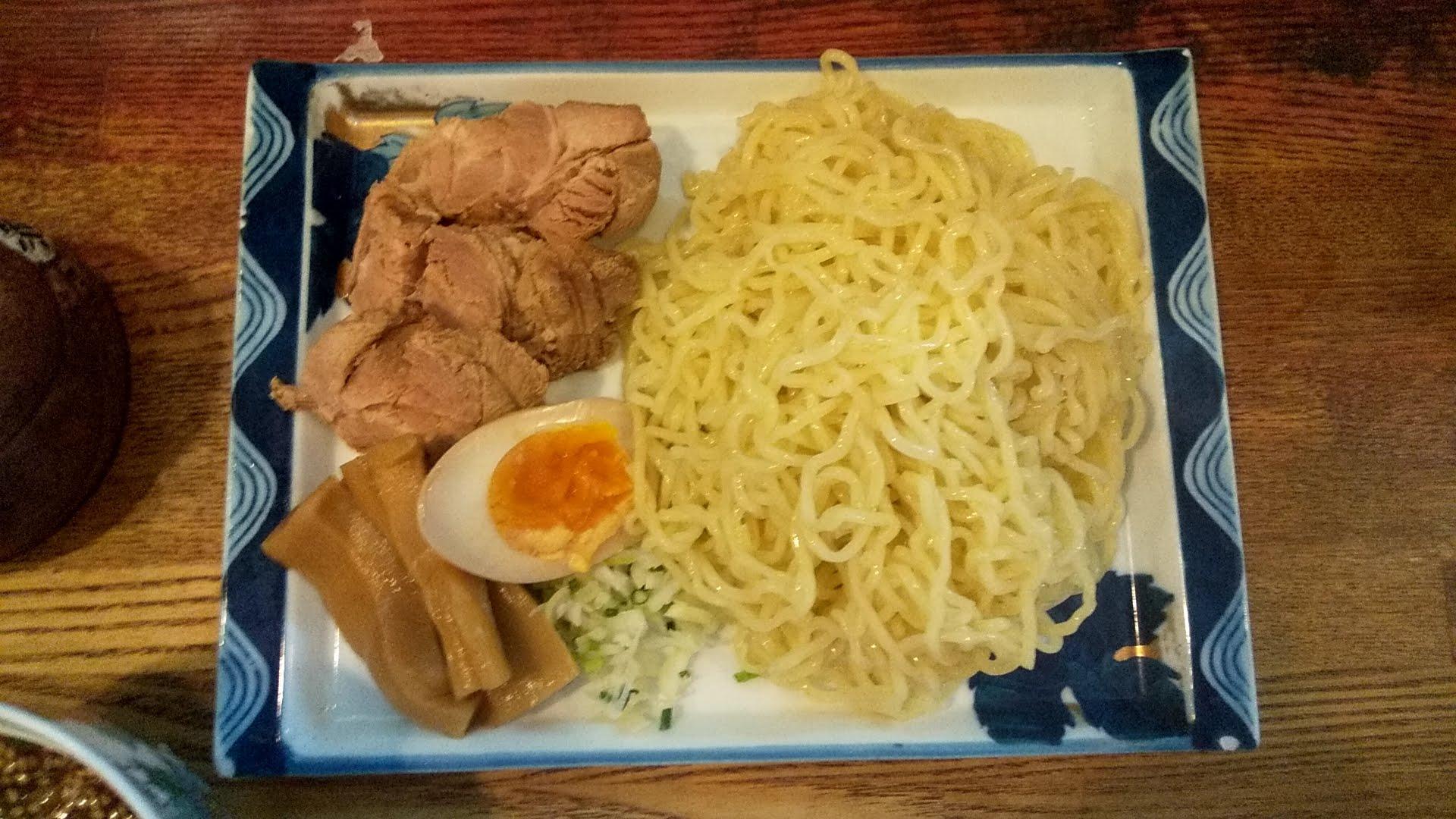 ひなたやのつけ麺の麺皿