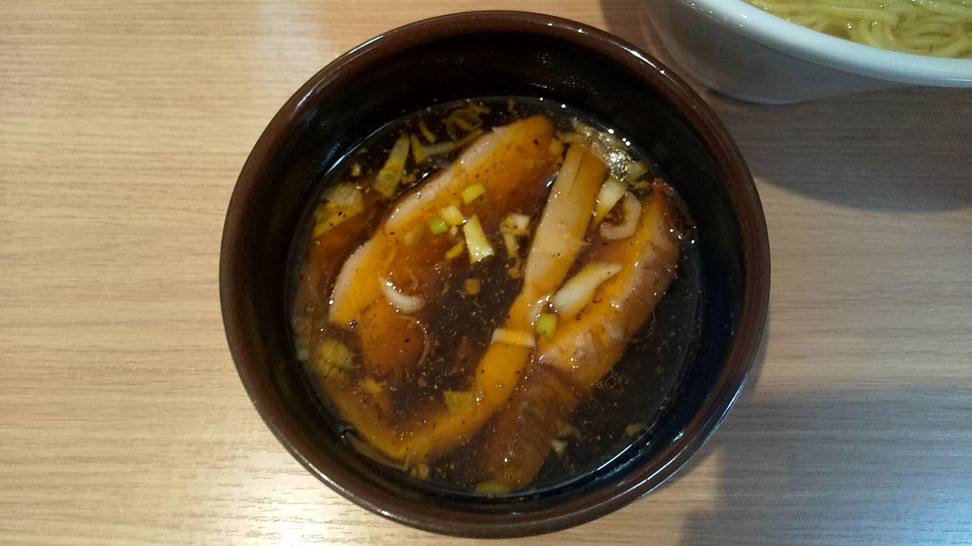 中華そば光のピリ辛つけ麺のつけ汁