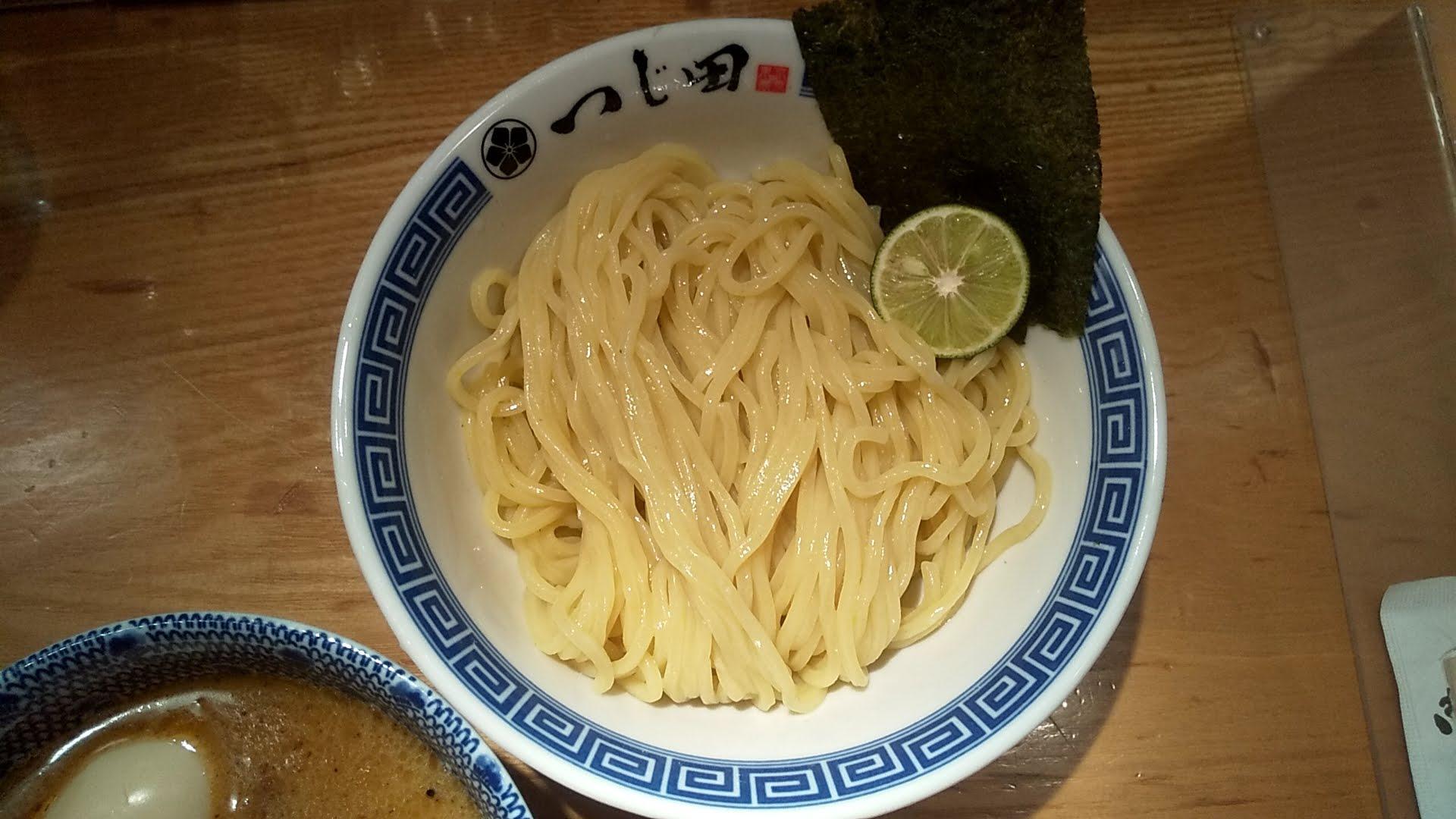 つじ田日本橋店の濃厚特製つけ麺の麺皿