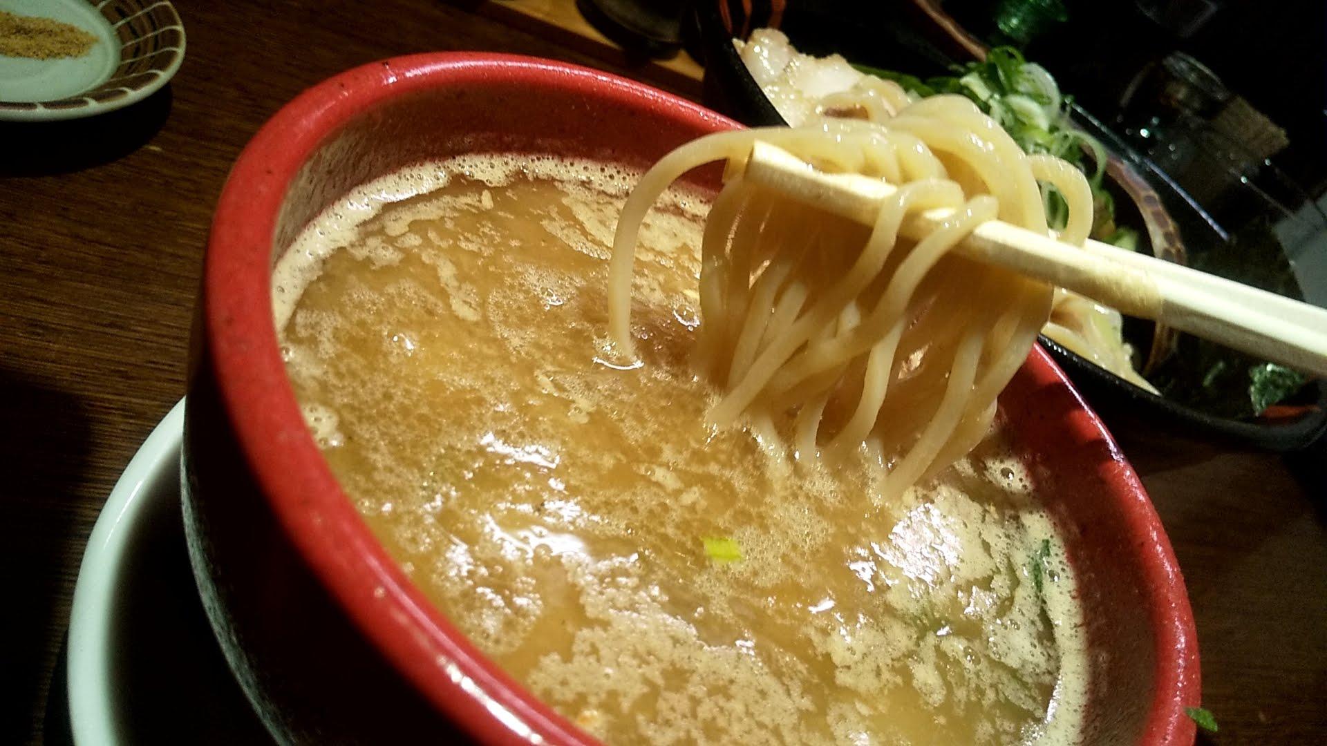 むささんじんのつけ麺の麺リフト