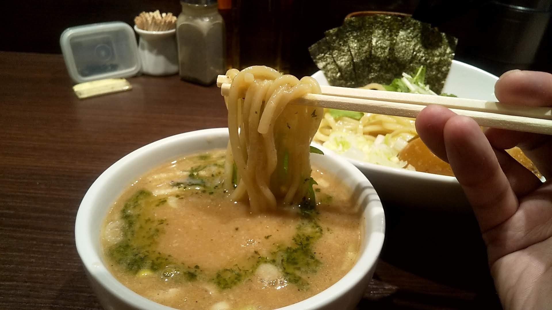 izasaの特製つけ麺のリフトアップ