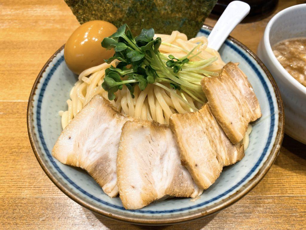 鼈の特製濃厚煮干しつけ麺の麺の写真