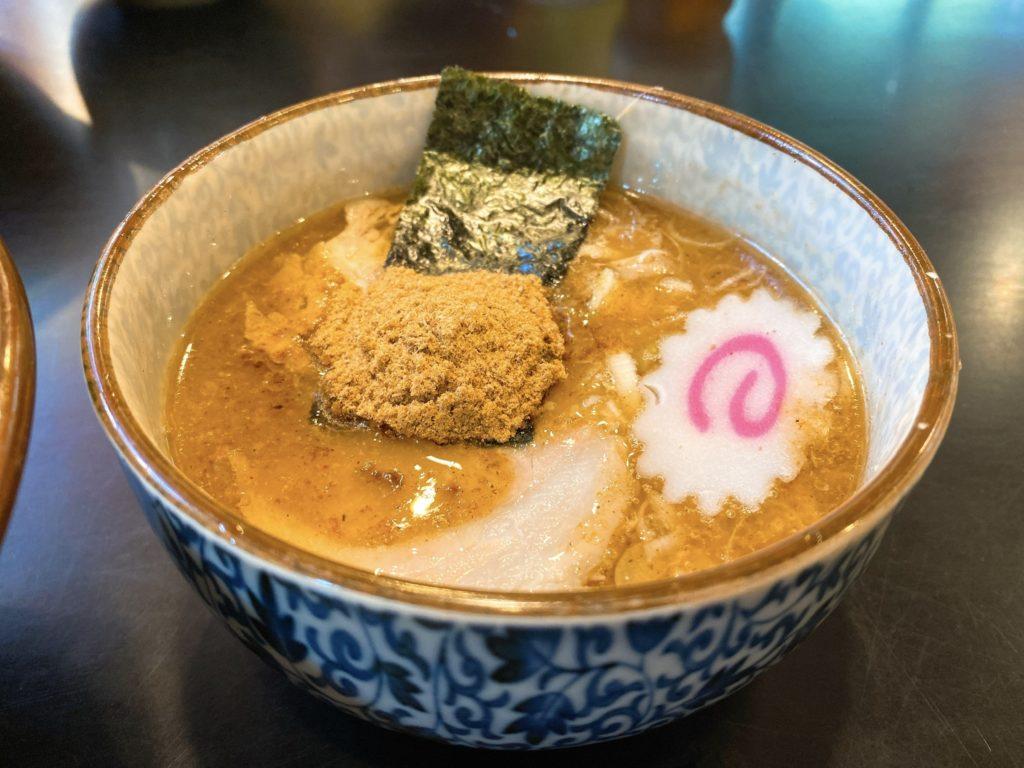 ハッスルラーメンのスープ