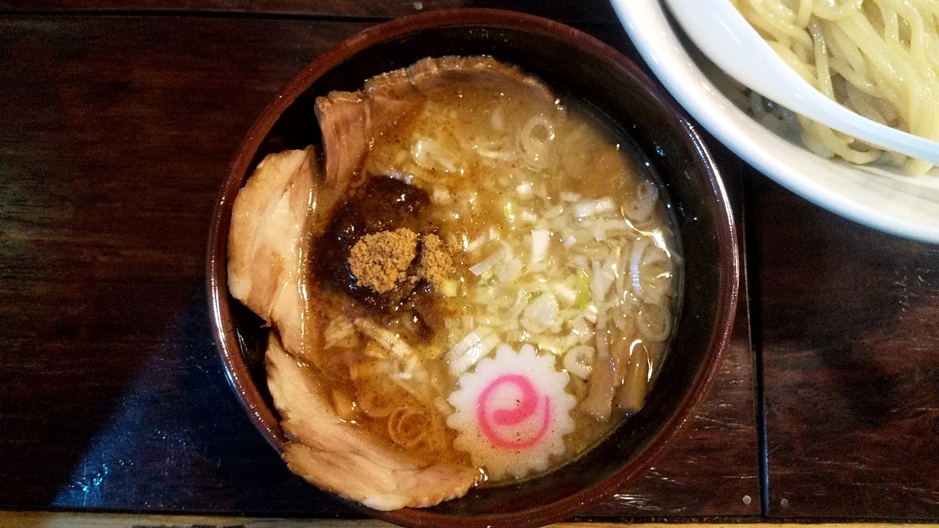 麺屋大斗大門店の特製チャーシュー味玉もりそばのつけ汁