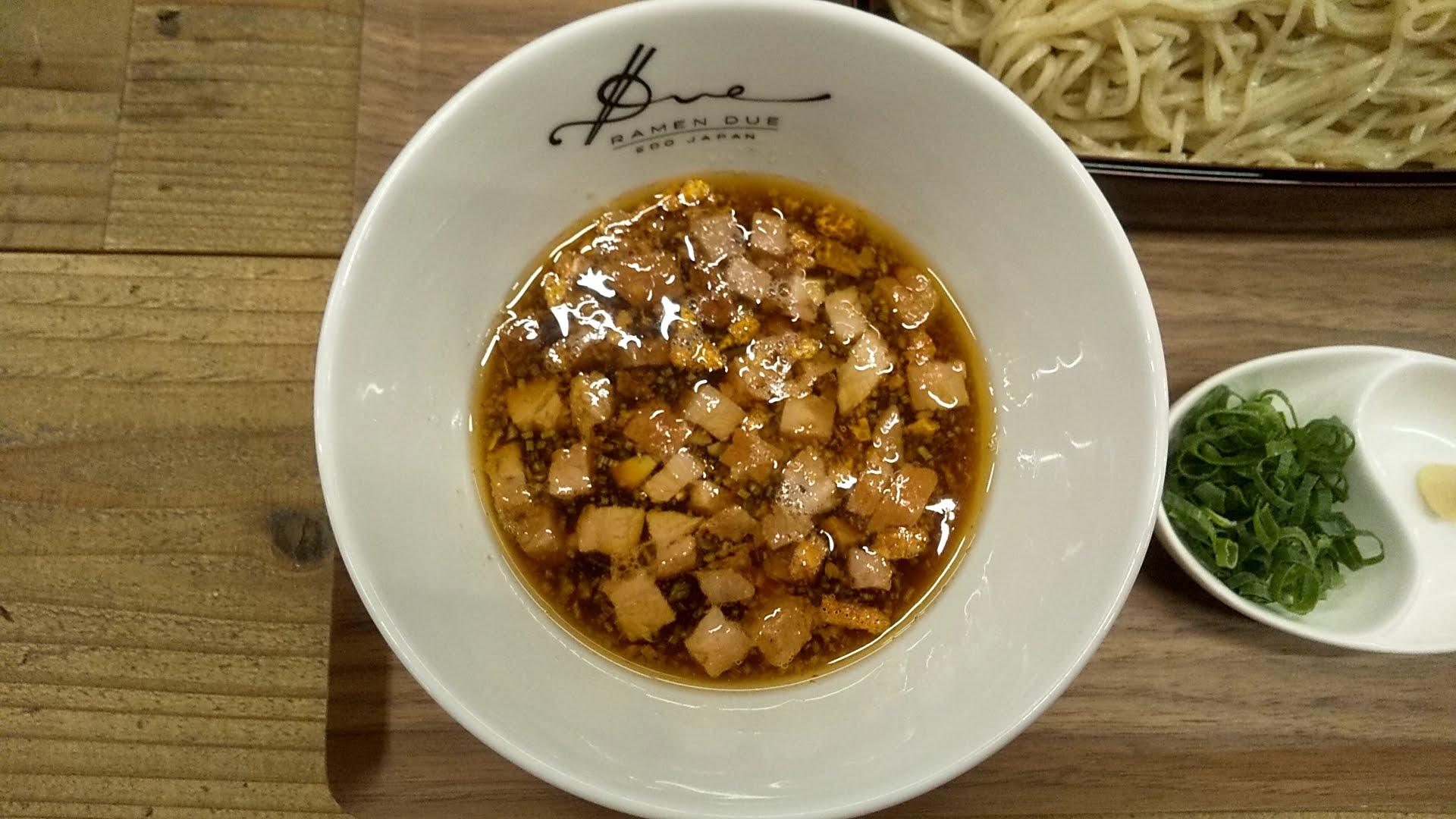 RamenドゥエEdoJapanの果実酢のせいろつけ麺のつけ汁
