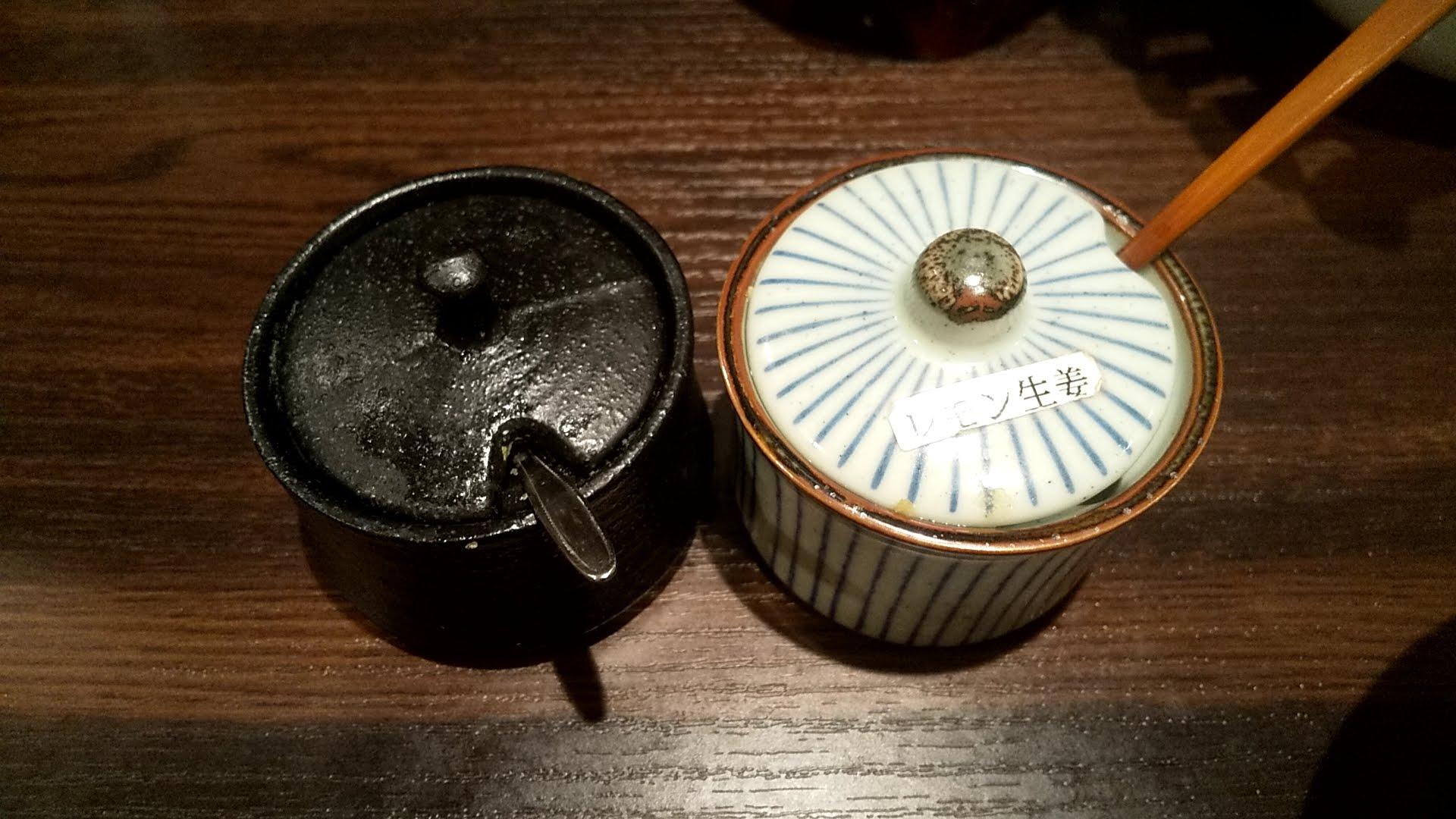 藤しろ三軒茶屋店の卓上調味料