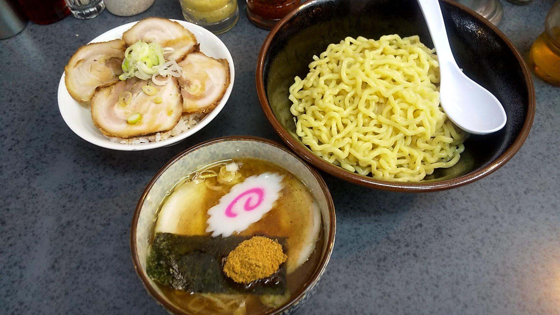 ハッスルラーメンホンマ亀戸店の森つけ麺とチャーシュー丼