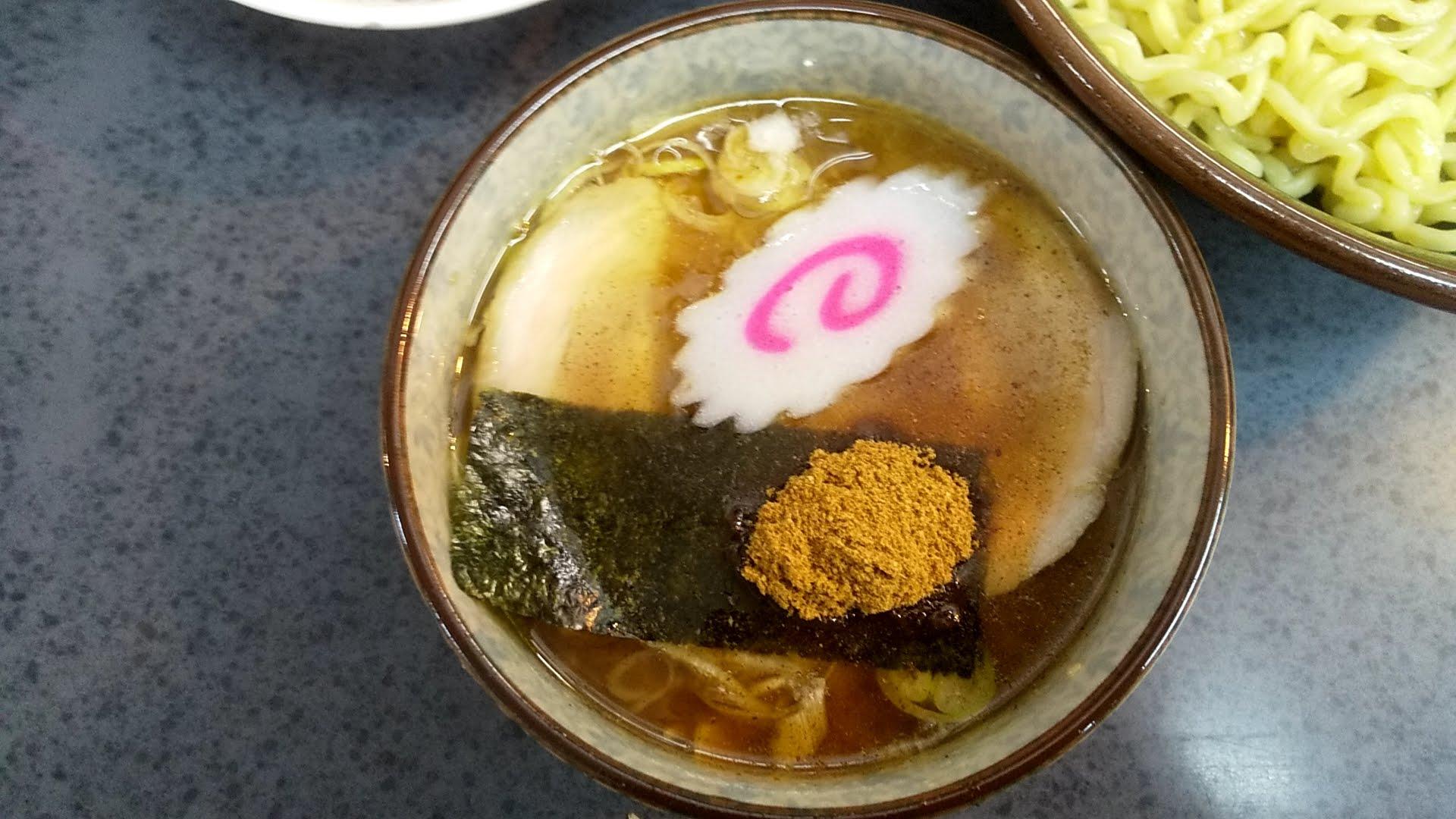 ハッスルラーメンホンマ亀戸店のもりつけ麺のつけ汁の写真