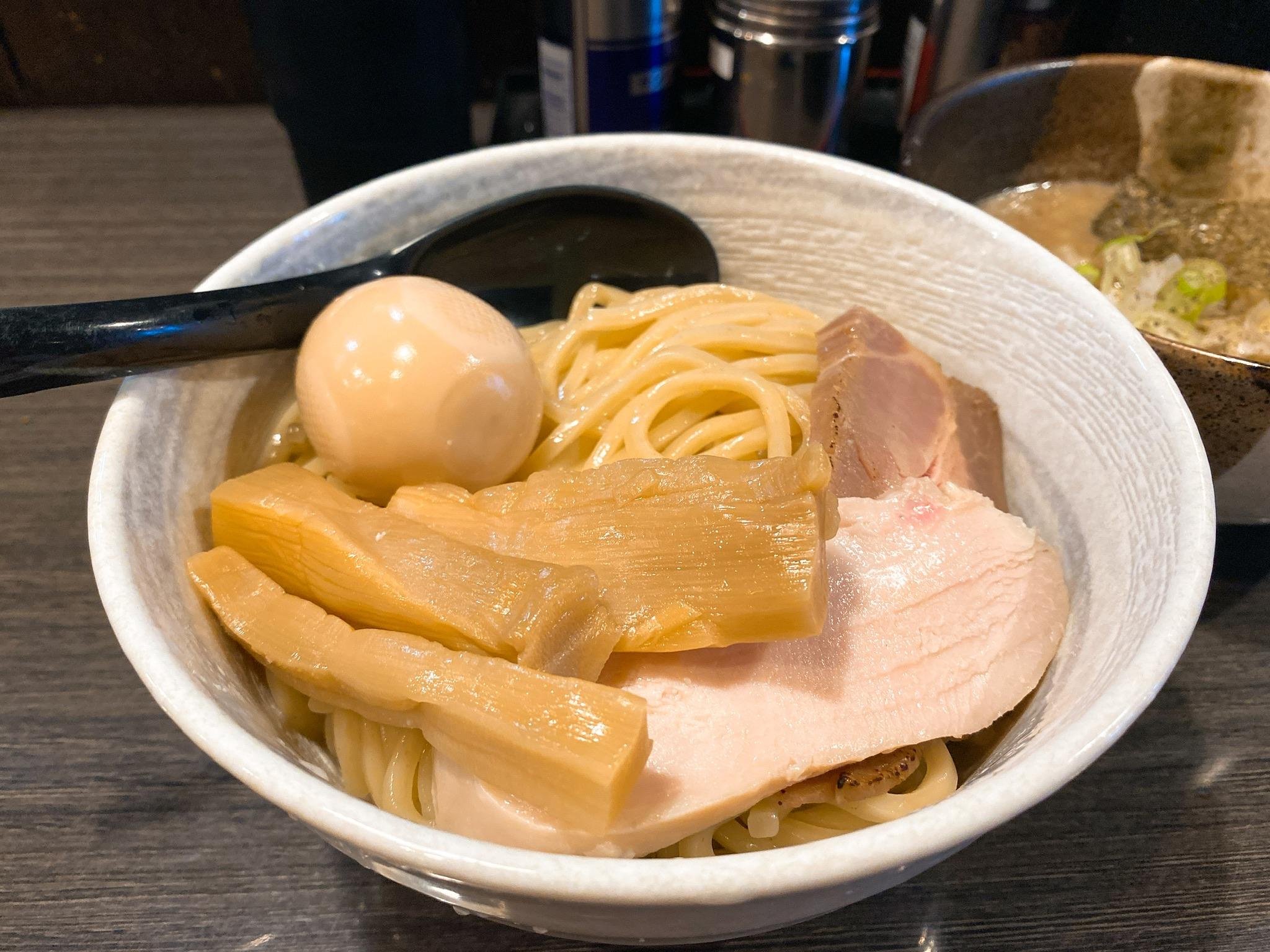 つけ麺陽の鶏と帆立の濃厚塩つけ麺の麺の写真