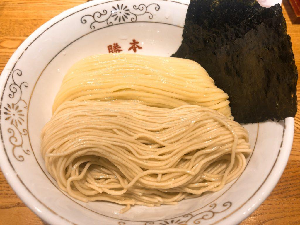 神田勝本の麺