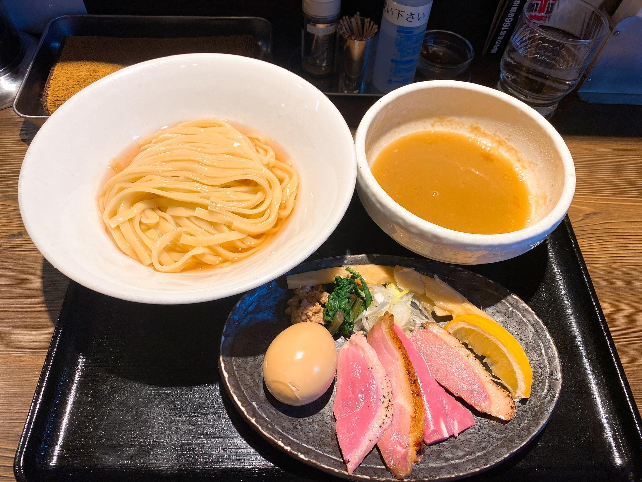 麺屋yoshikiの特製鴨出汁つけそばの写真