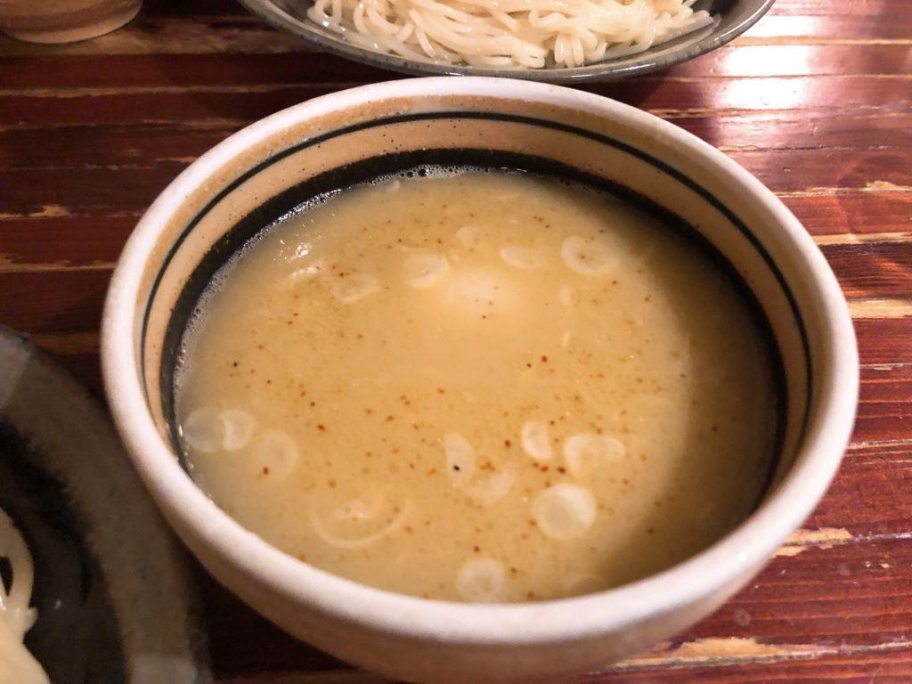 麺酒処ぶらりのスープ