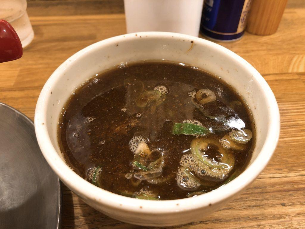 麺や七彩のスープ