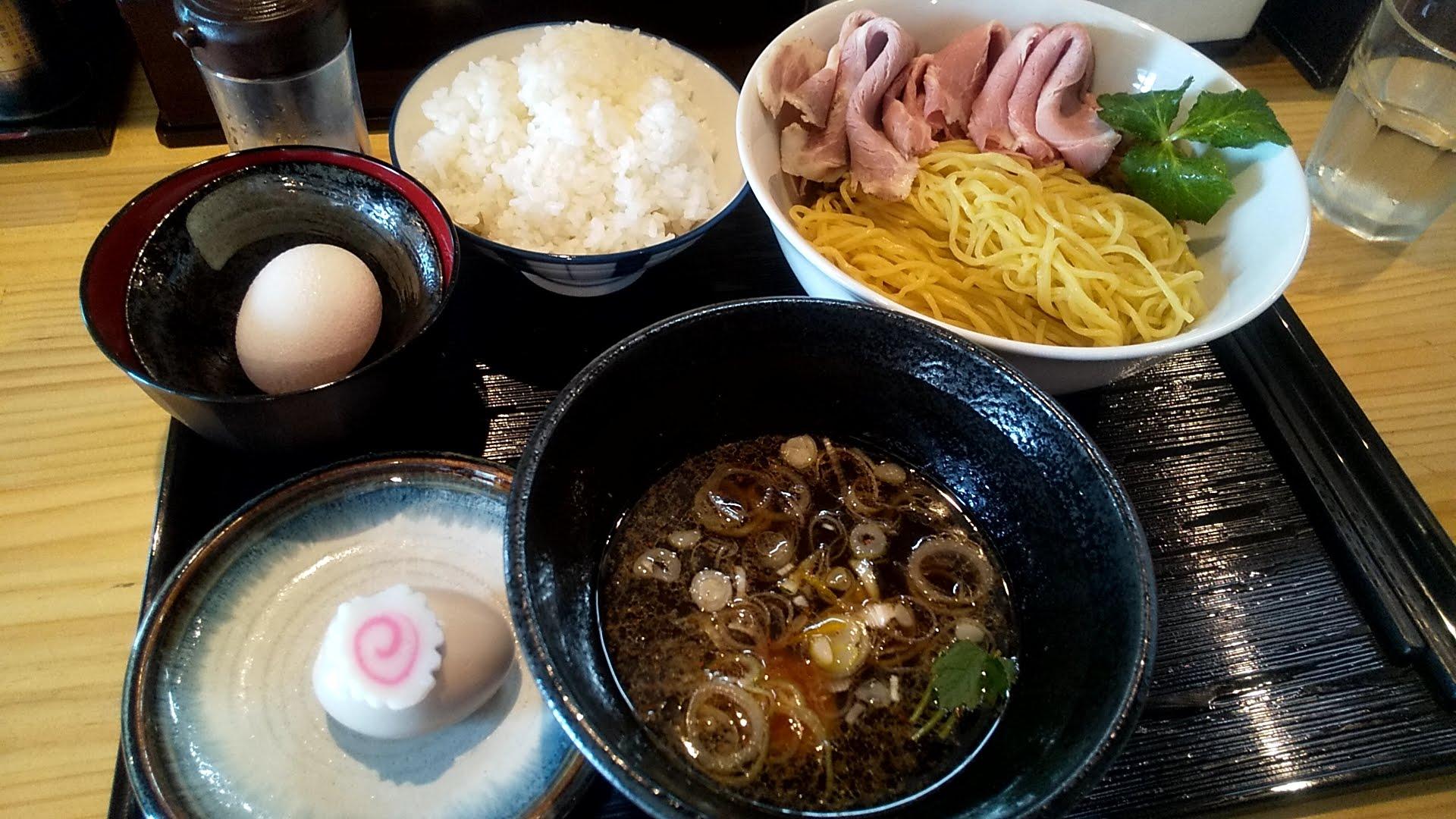 麺屋淳陛屋の特製つけ麺と卵かけご飯