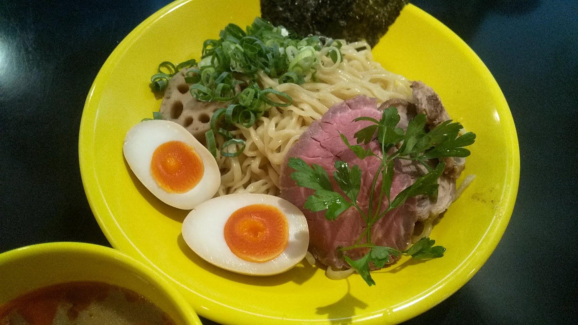 みそ味専門マタドールの贅沢濃厚味噌つけ麺の麺皿の写真
