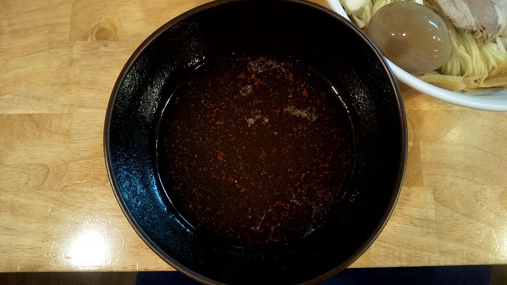 うめ川のつけ麺味玉チャーシュートッピングのつけ汁
