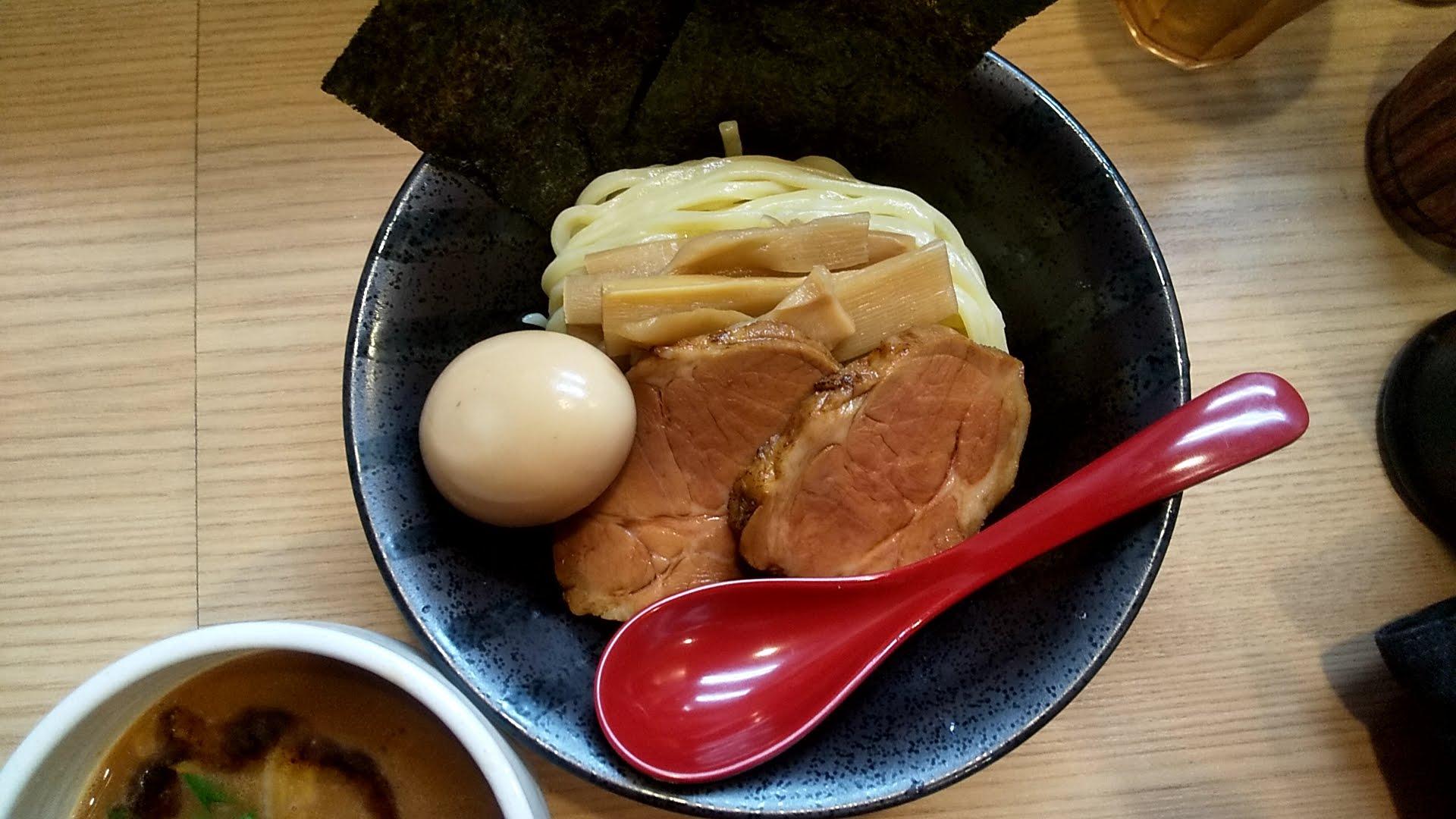 麺屋海道の特製海老つけ麺の麺皿