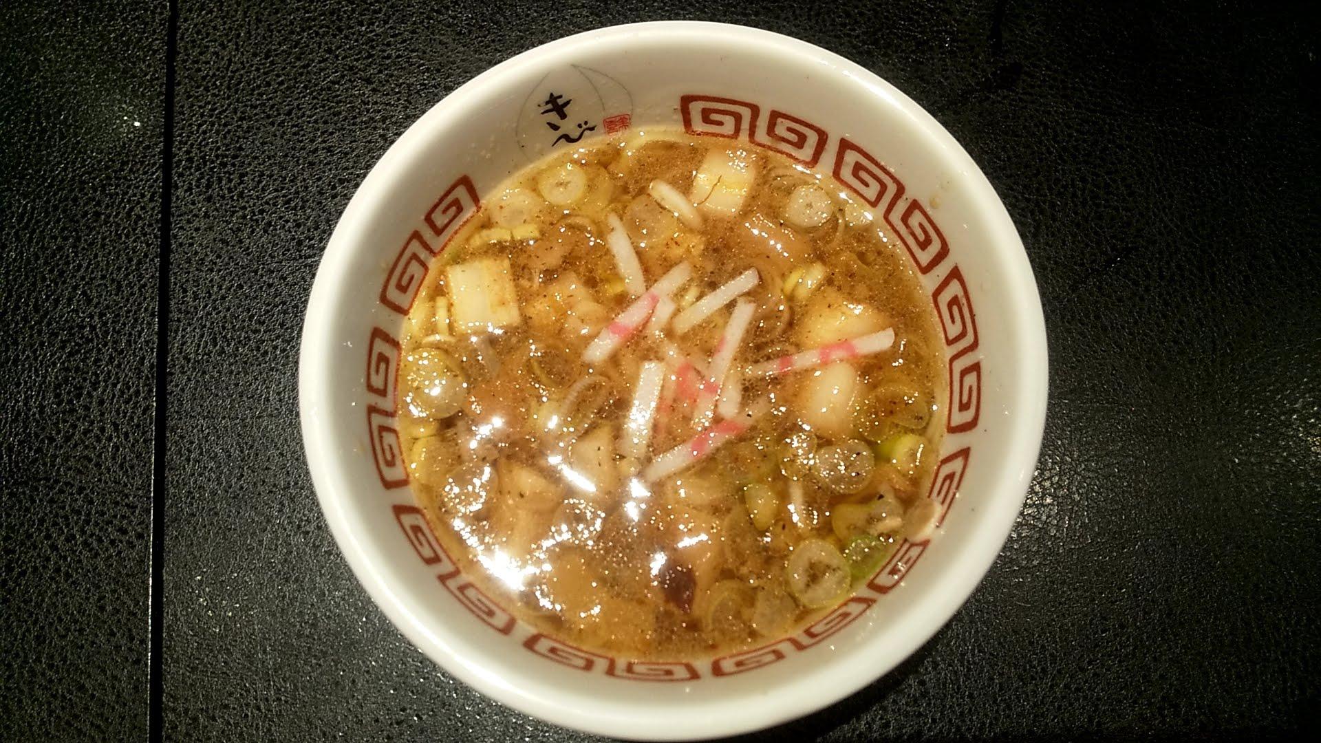 中華そばきびの特製つけ麺のつけ汁写真