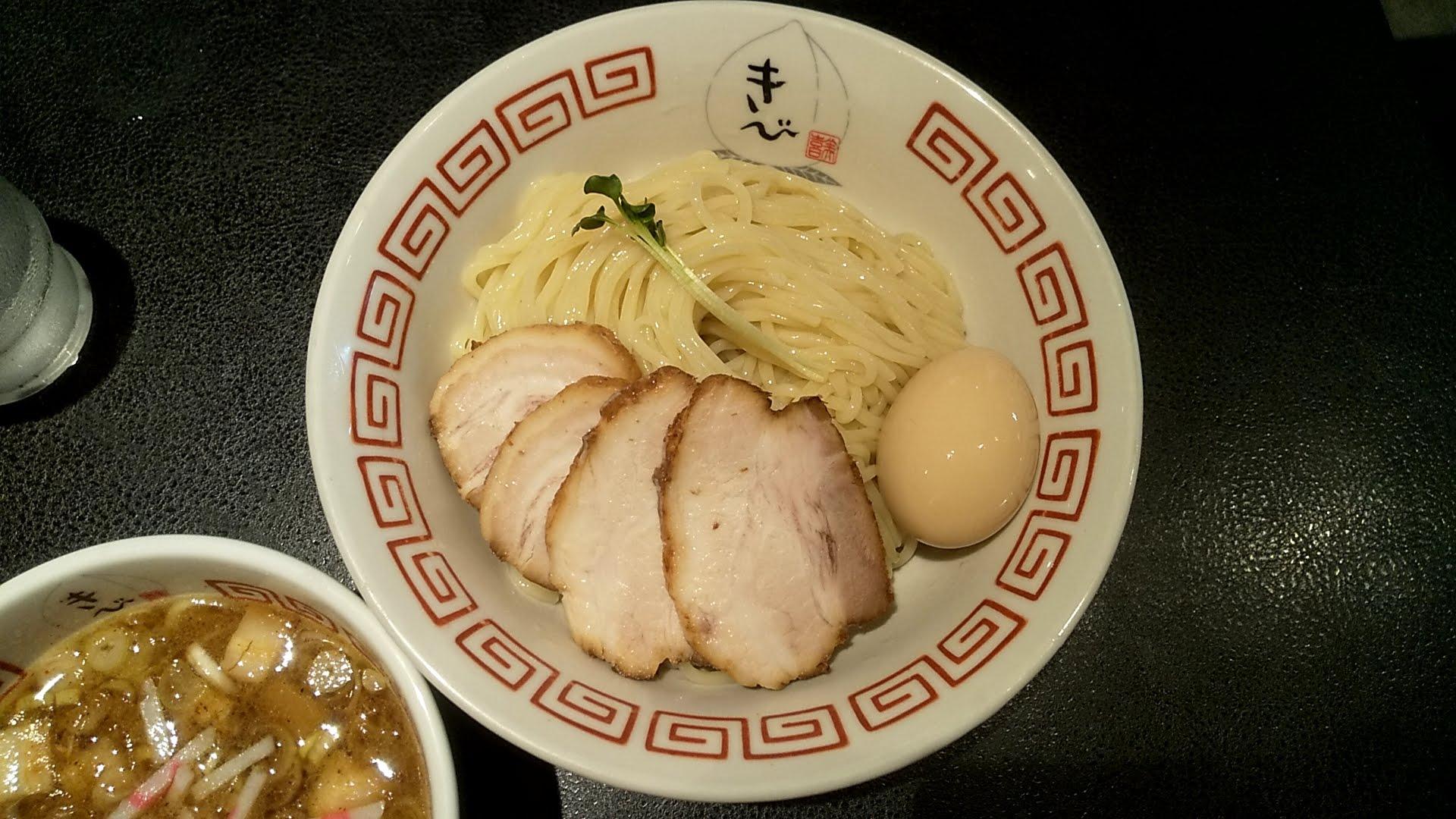 中華そばきびの特製つけ麺の麺皿写真