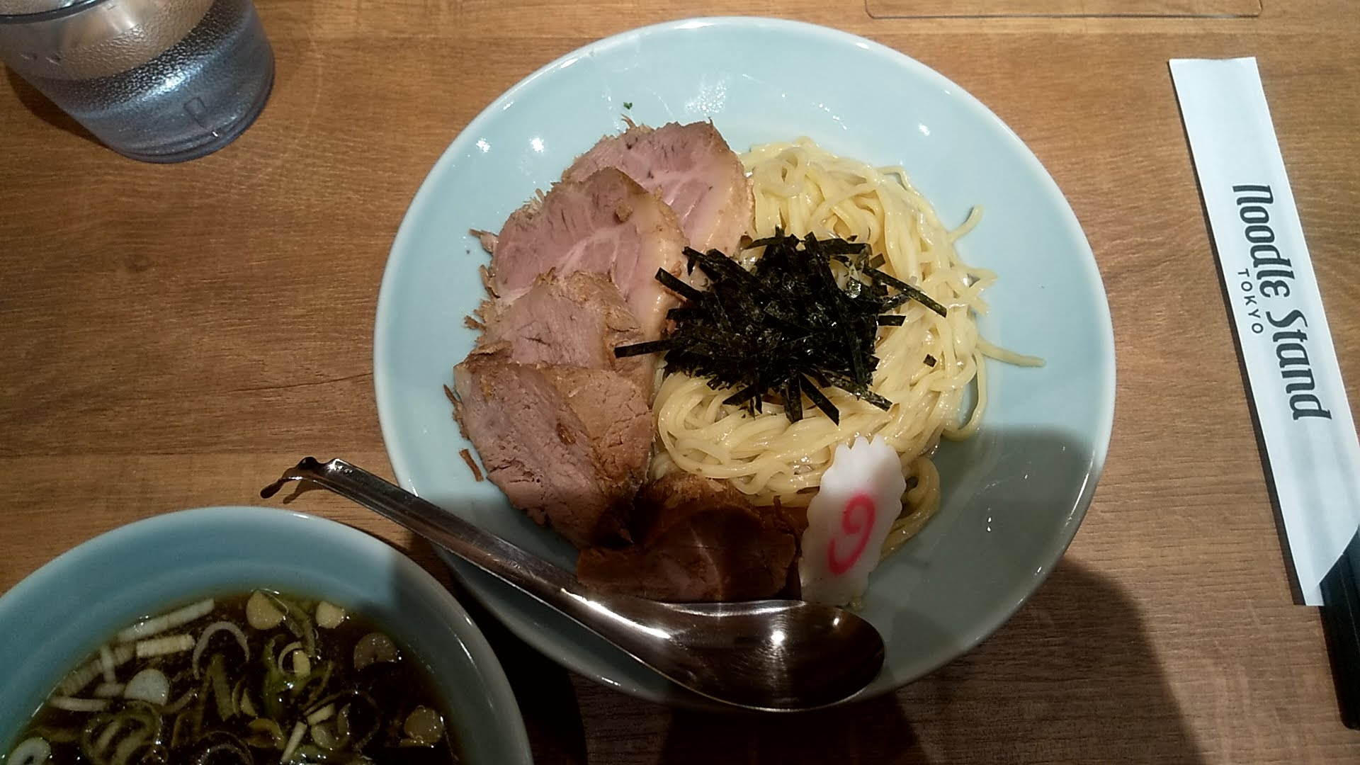 NoodleStandTokyoのTOKYO肉もり中華の麺皿写真