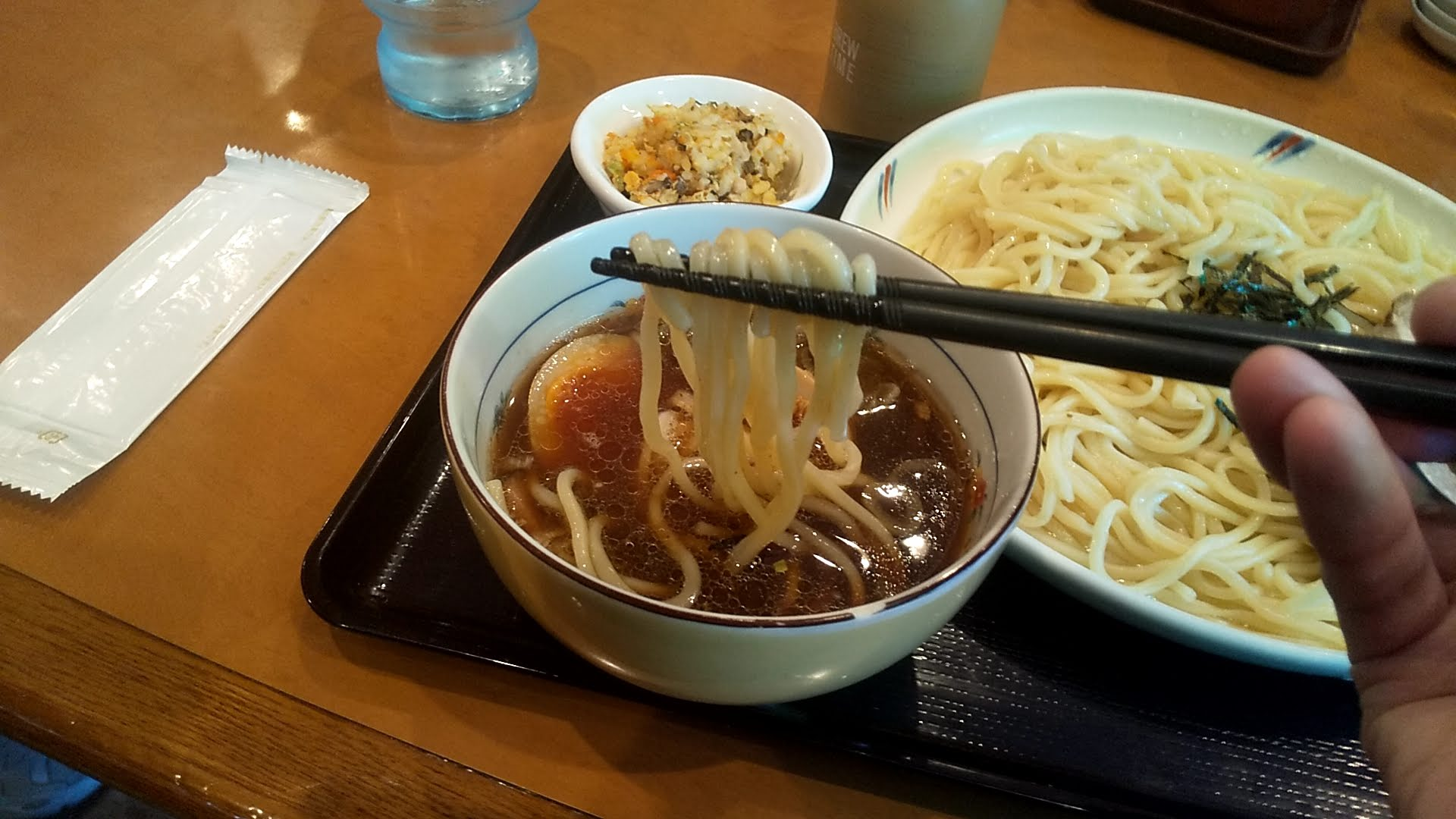 好日の煮玉子ちゃーしゅうつけ麺の麺リフト写真