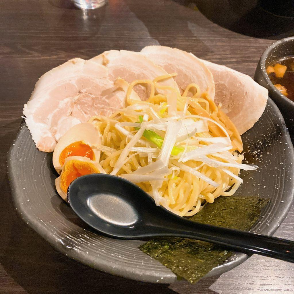 麺やむこうぶちの麺