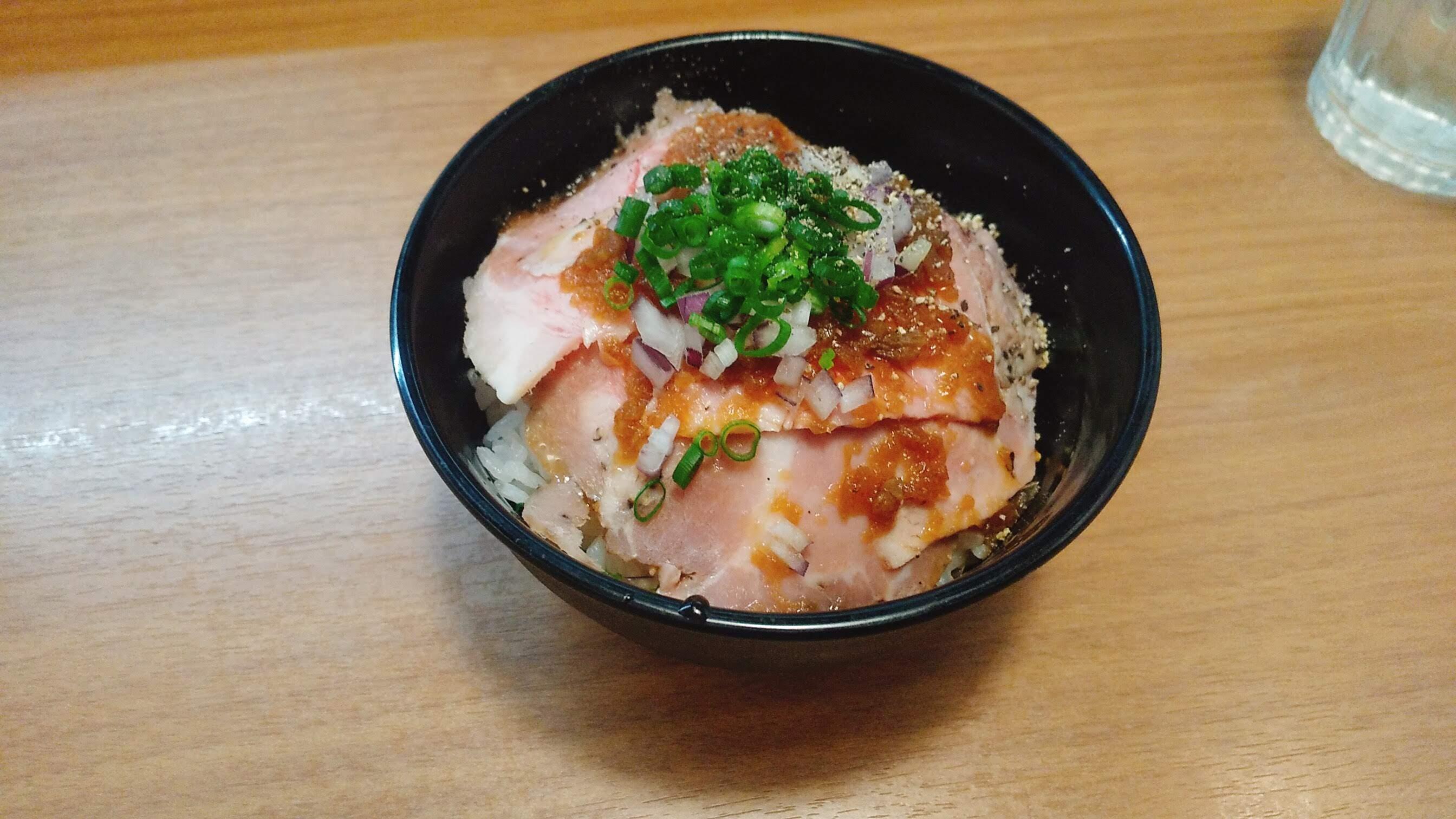 麺屋福丸のチャーシュー丼