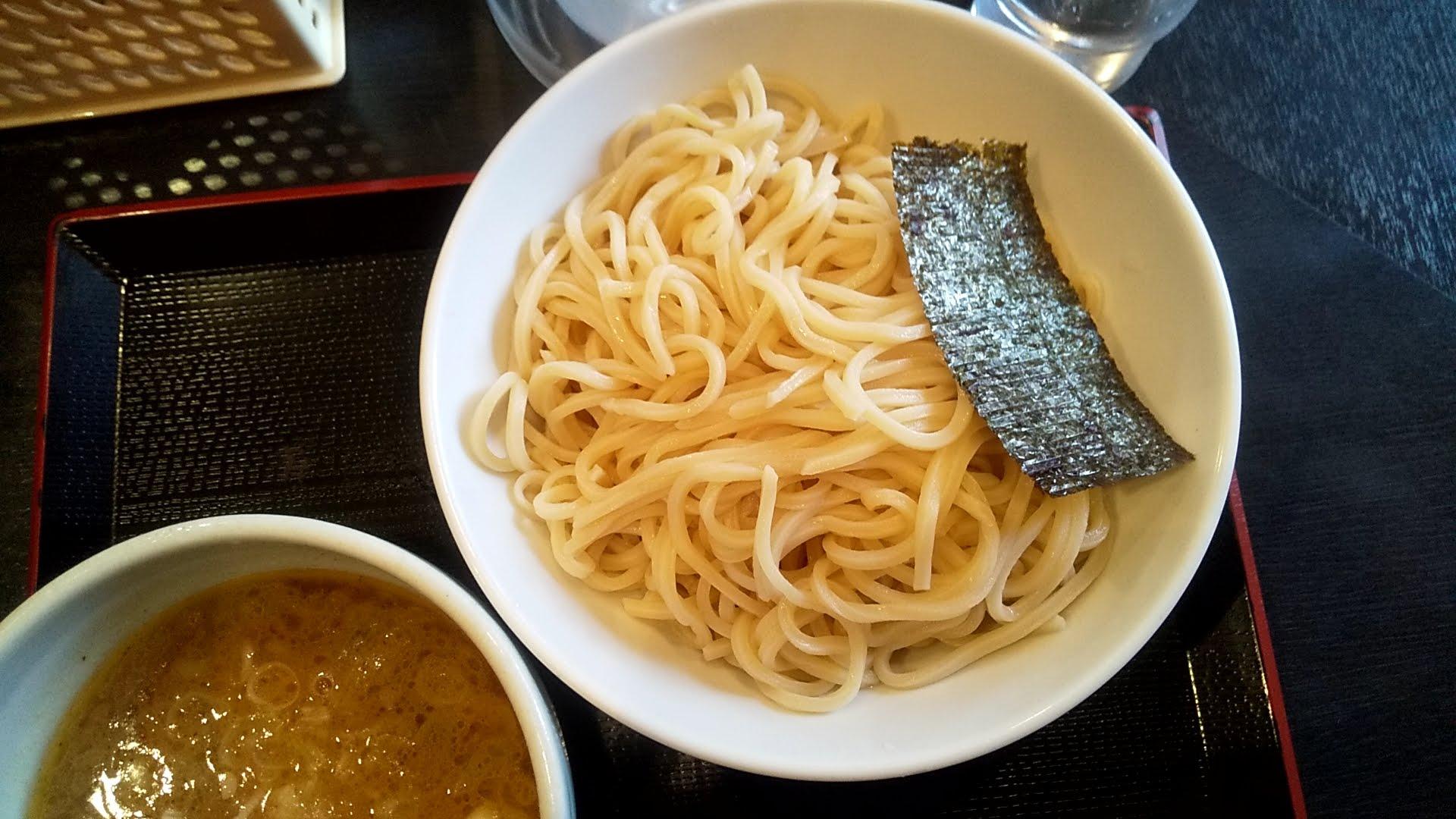 麺屋松尾のつけ麺の麺皿写真