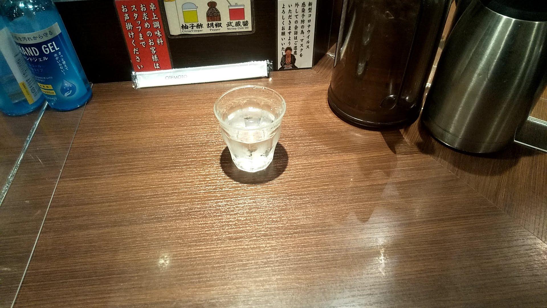 麺屋武蔵の卓上写真