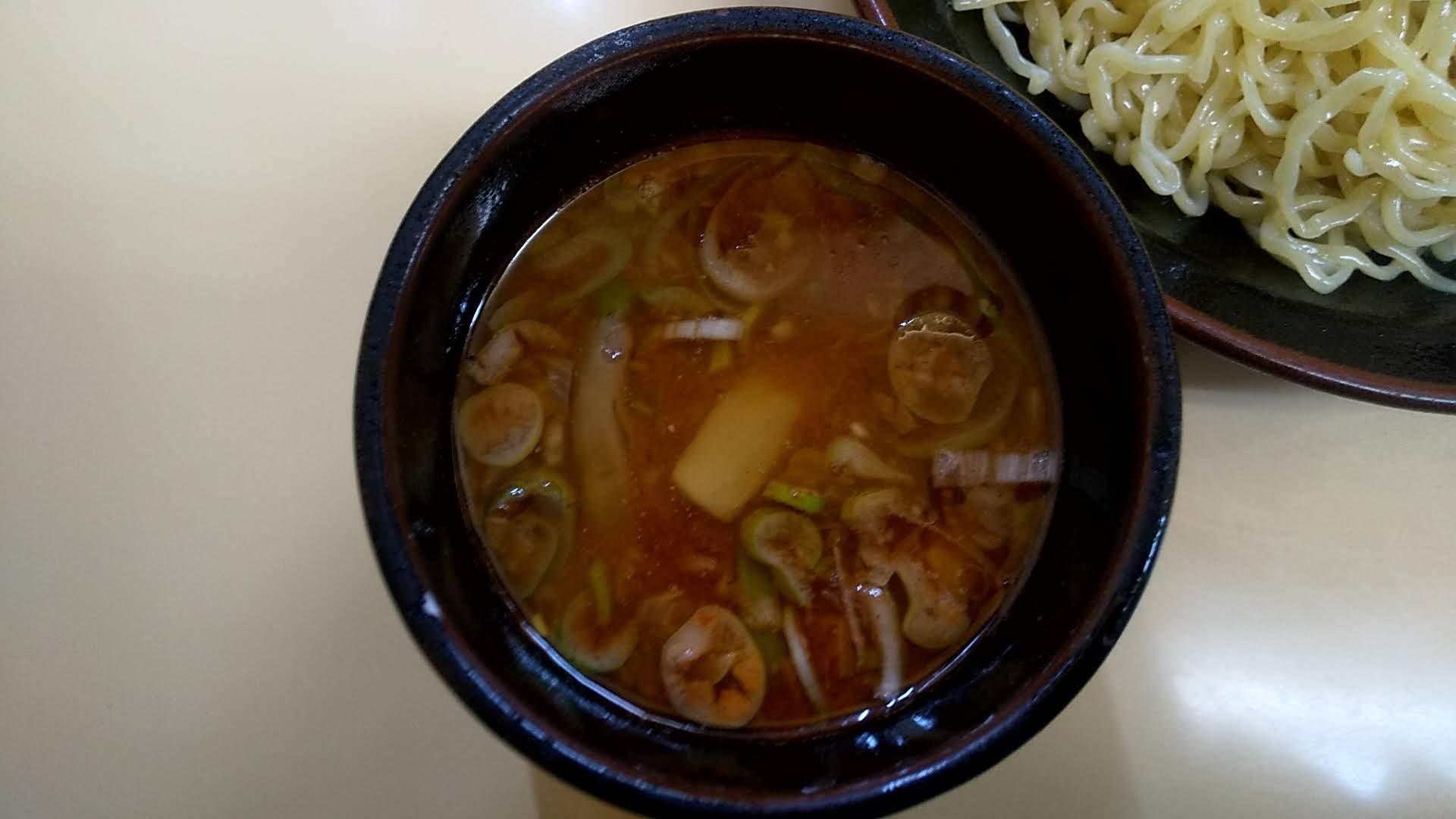 十八番のつけ麺のつけ汁の写真