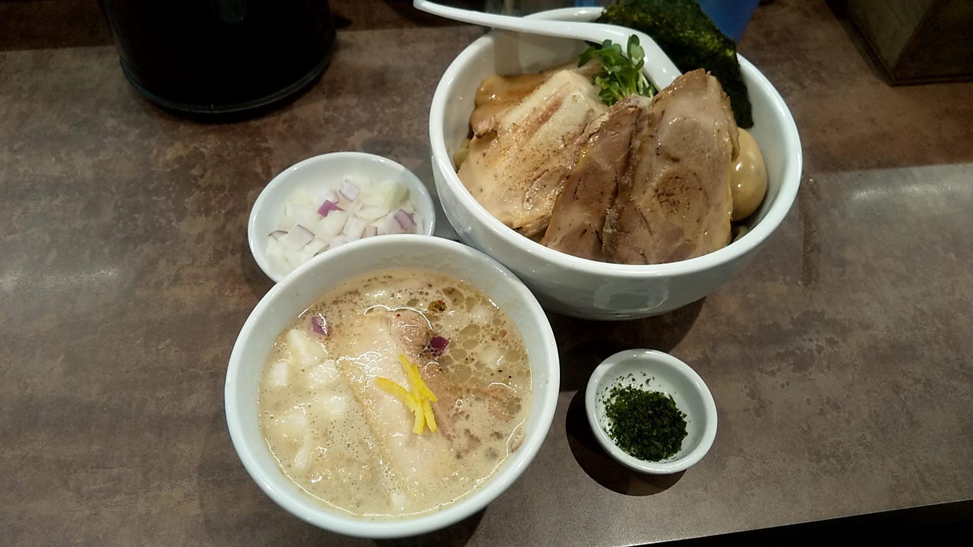 NOODLEVOICEの特製つけ麺の写真