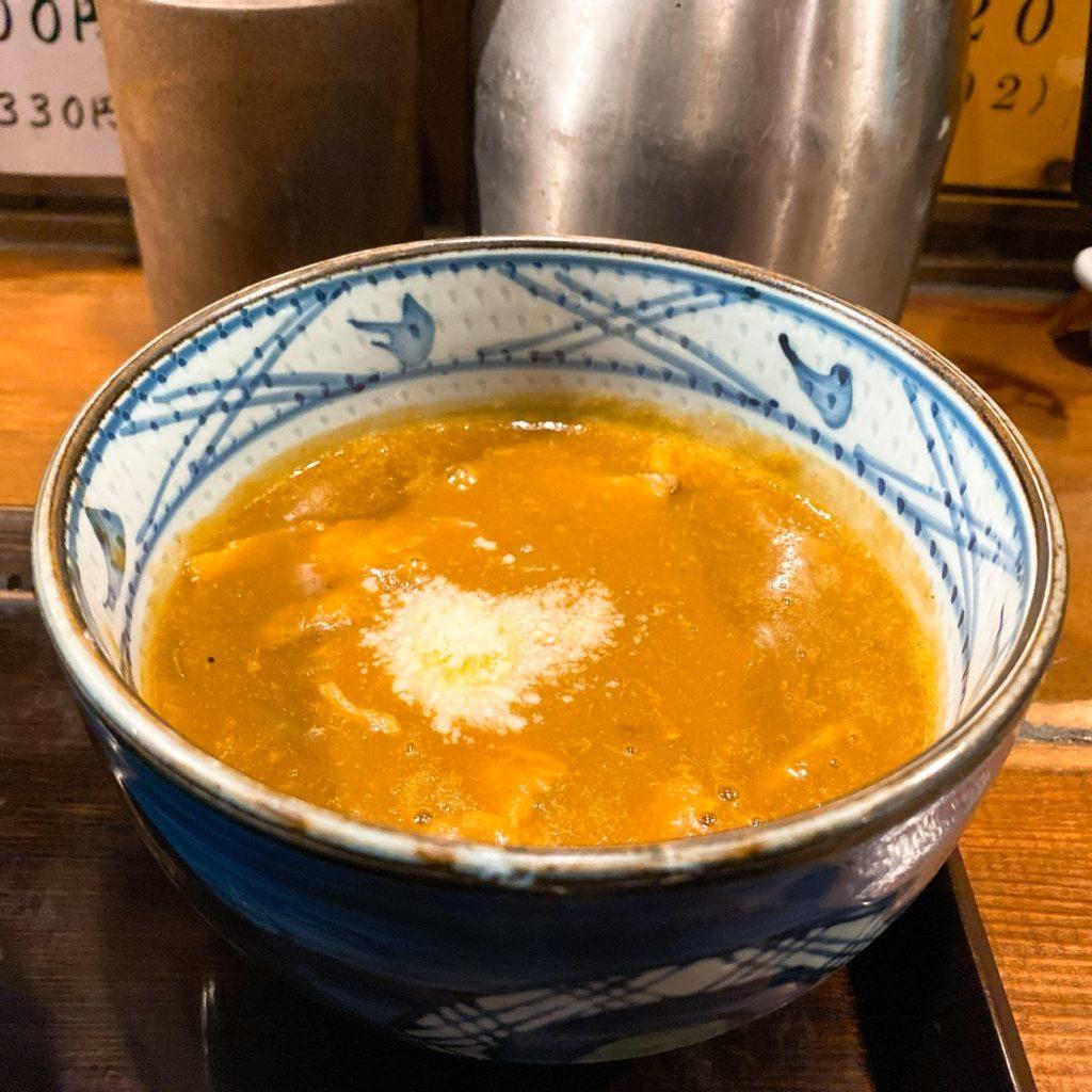中華麺家まんまるのスープ
