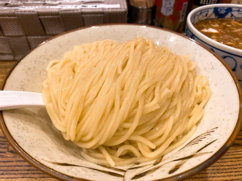 新橋纏の麺