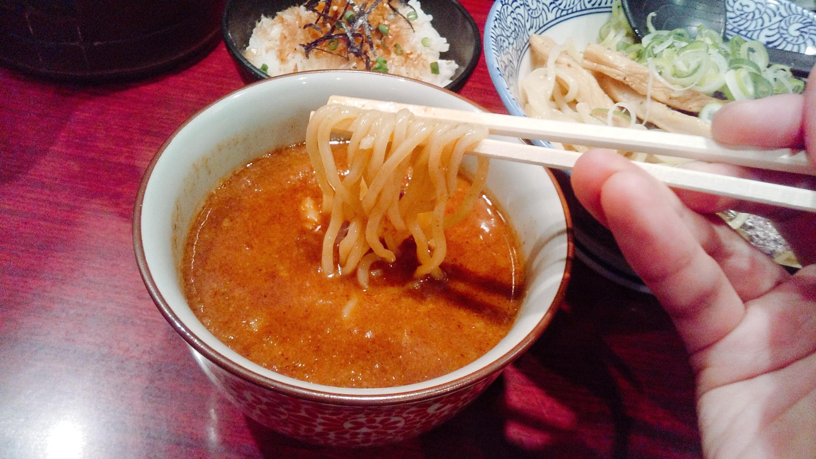 久楽の朝つけ麺セットの麺リフト写真