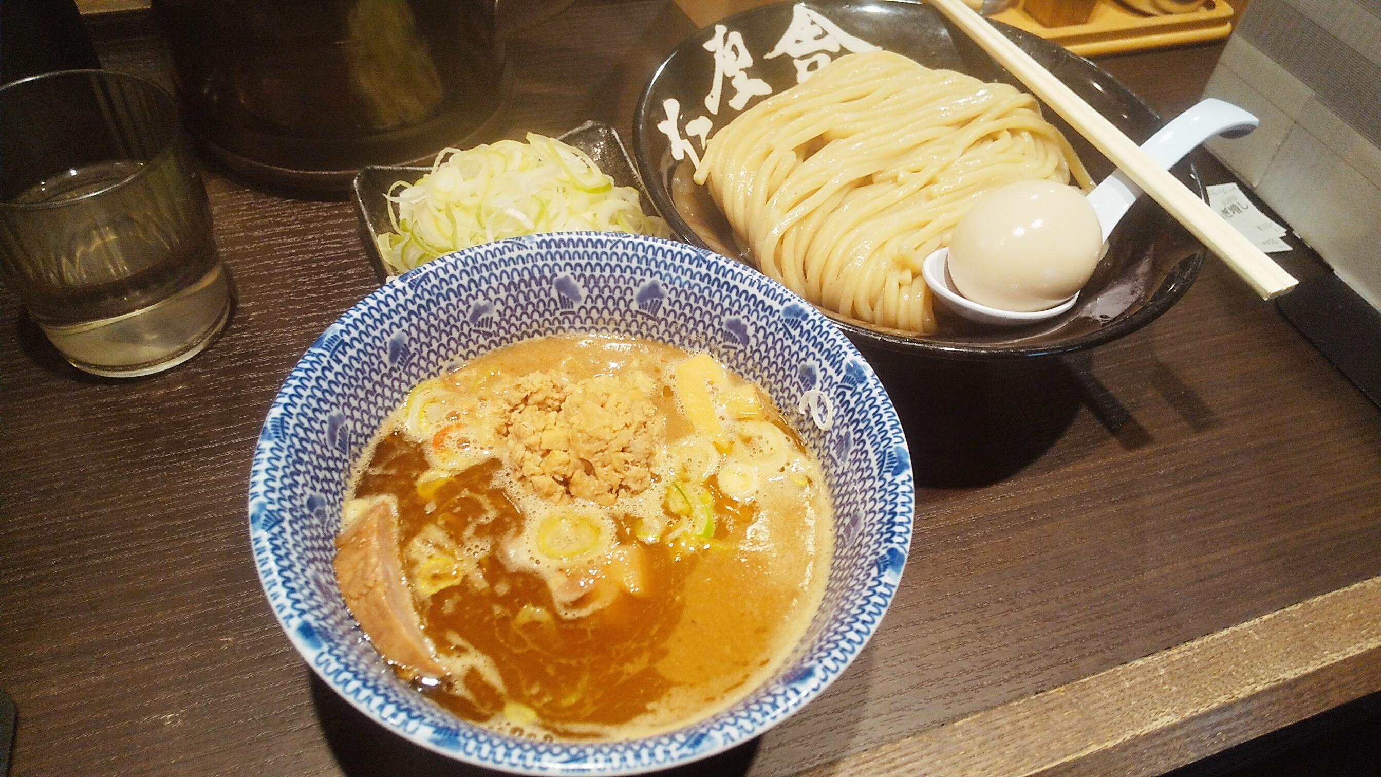 六厘舎上野店のつけ麺痺れの写真