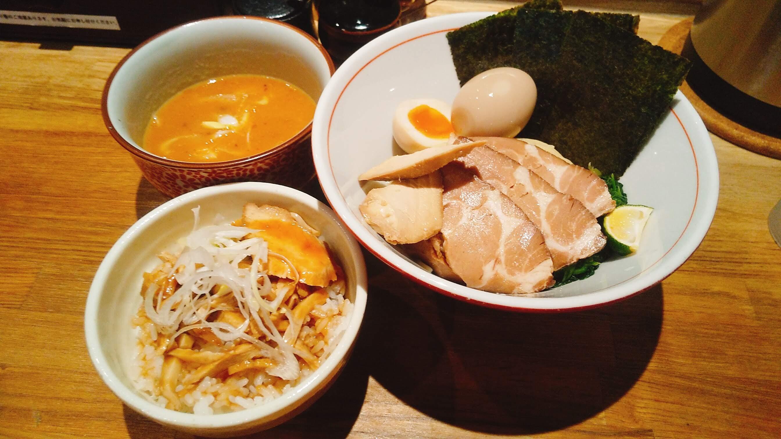 饗膳麺昌㐂の芳醇魚介鶏白湯特製つけ麺の写真