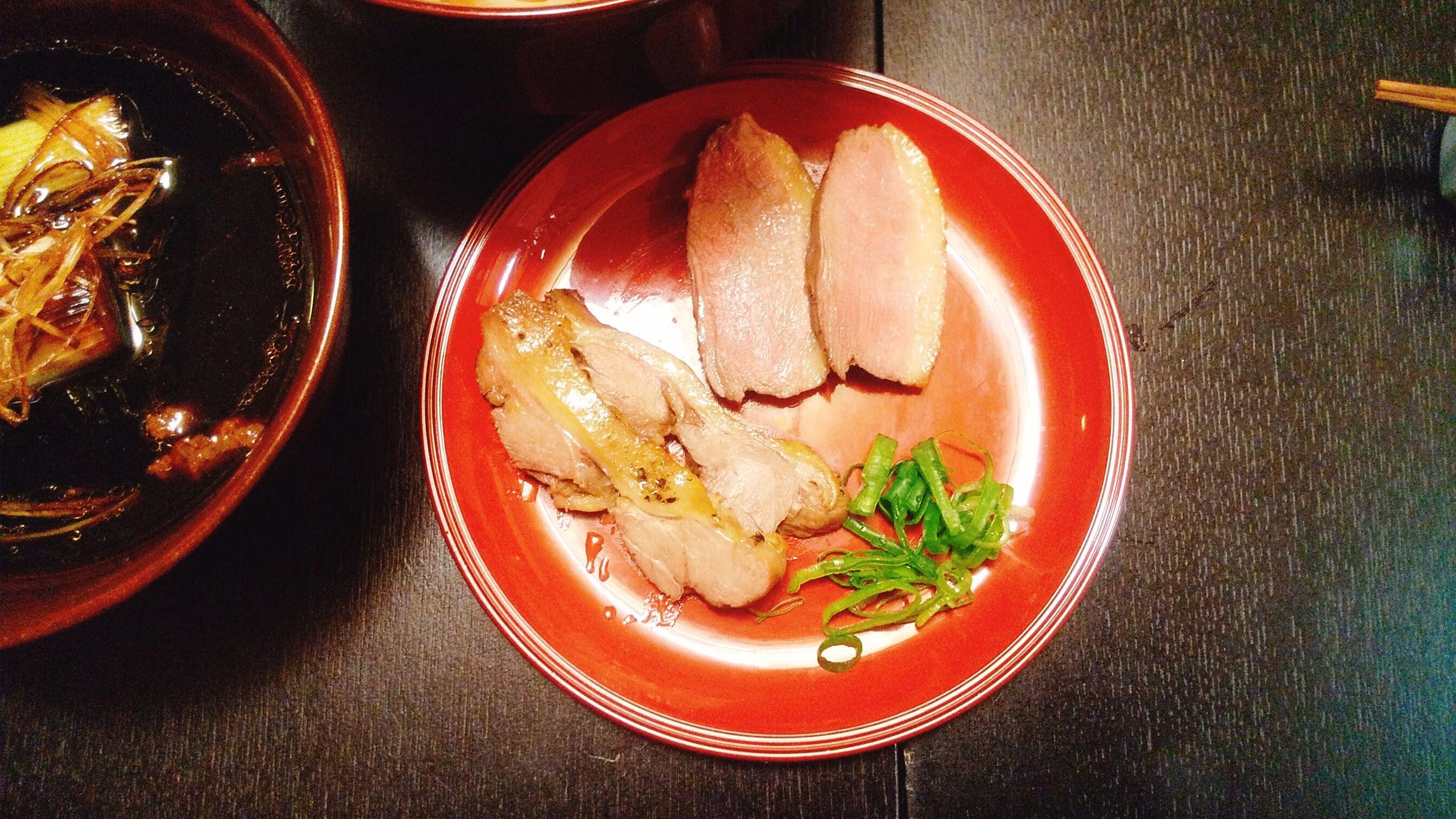 季織亭の手打ち小麦蕎麦の鴨肉の写真