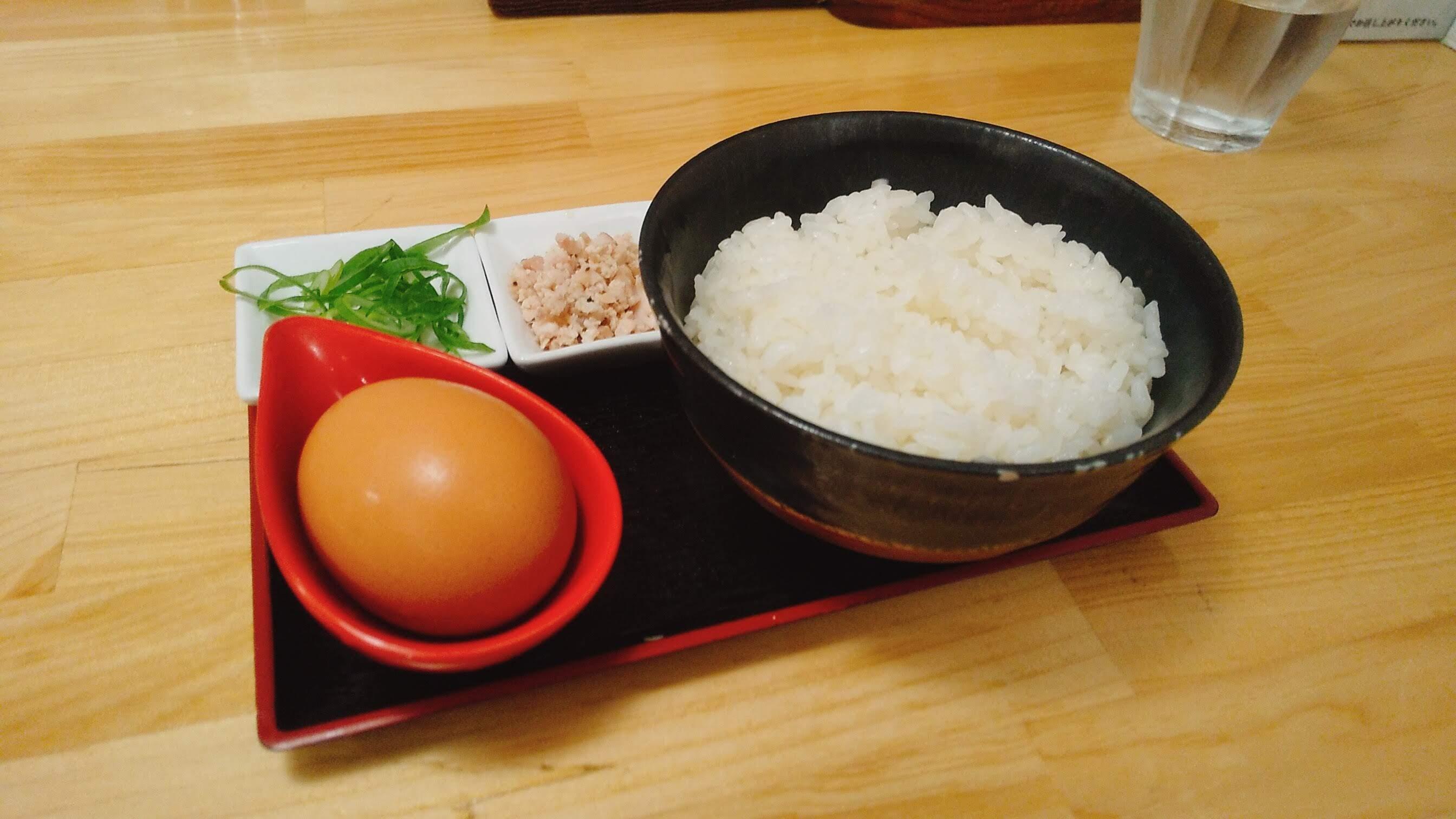 中華そば髙野の卵かけご飯の写真