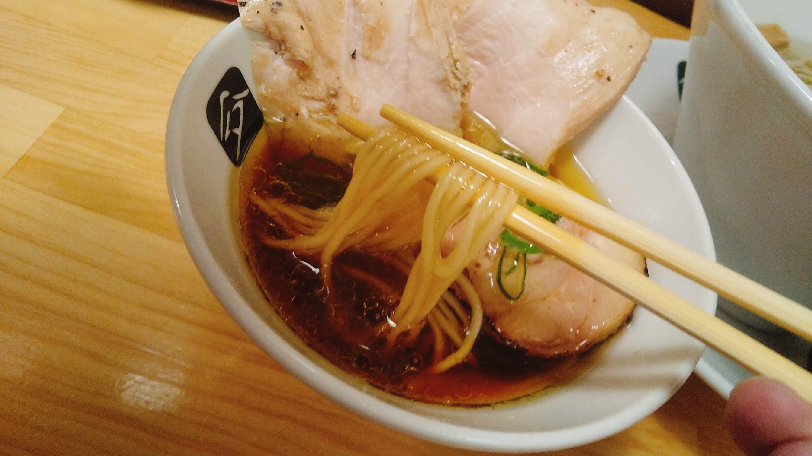 中華そば髙野の特製鶏つけ麺の麺リフト