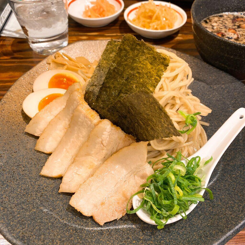 龍の家の麺