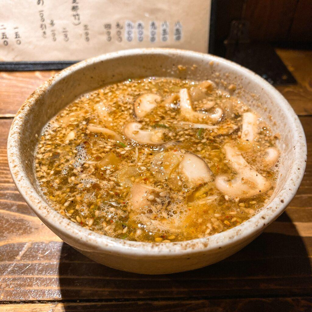 神田とりそばなな蓮のスープ