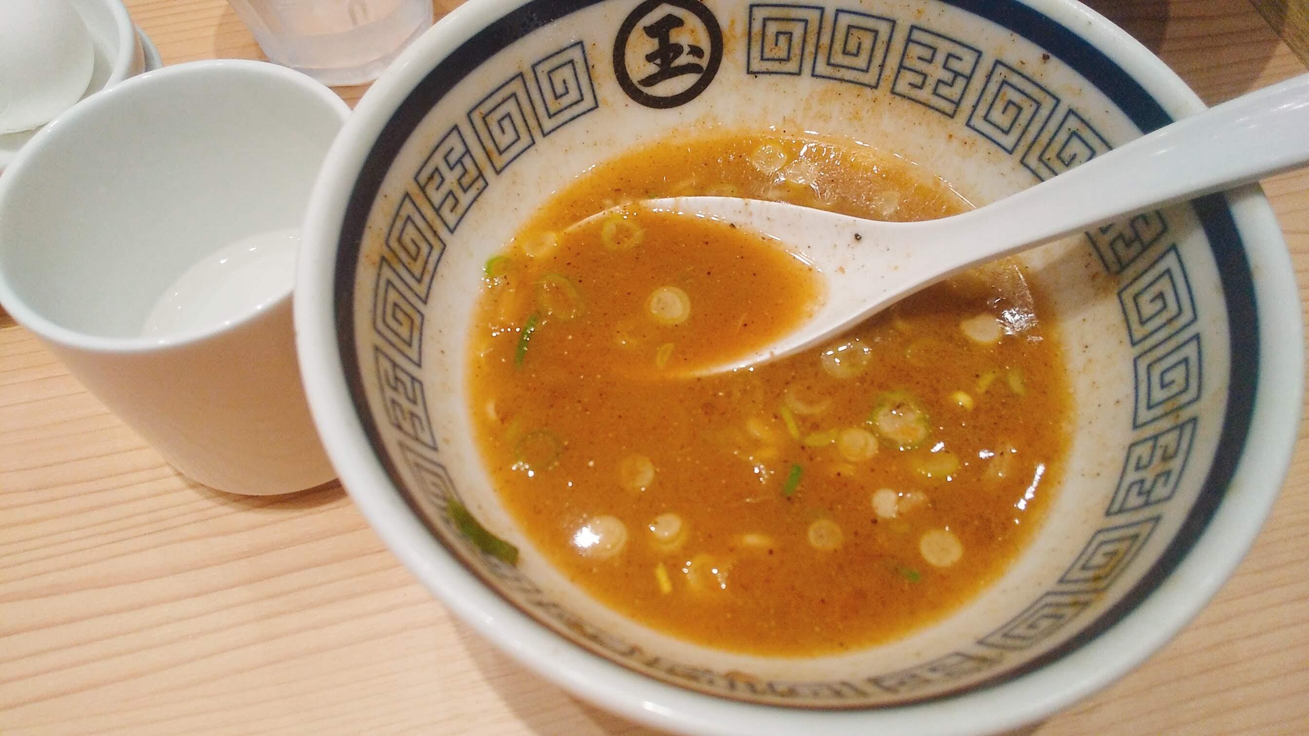 玉の特製つけ麺のスープ割りの写真