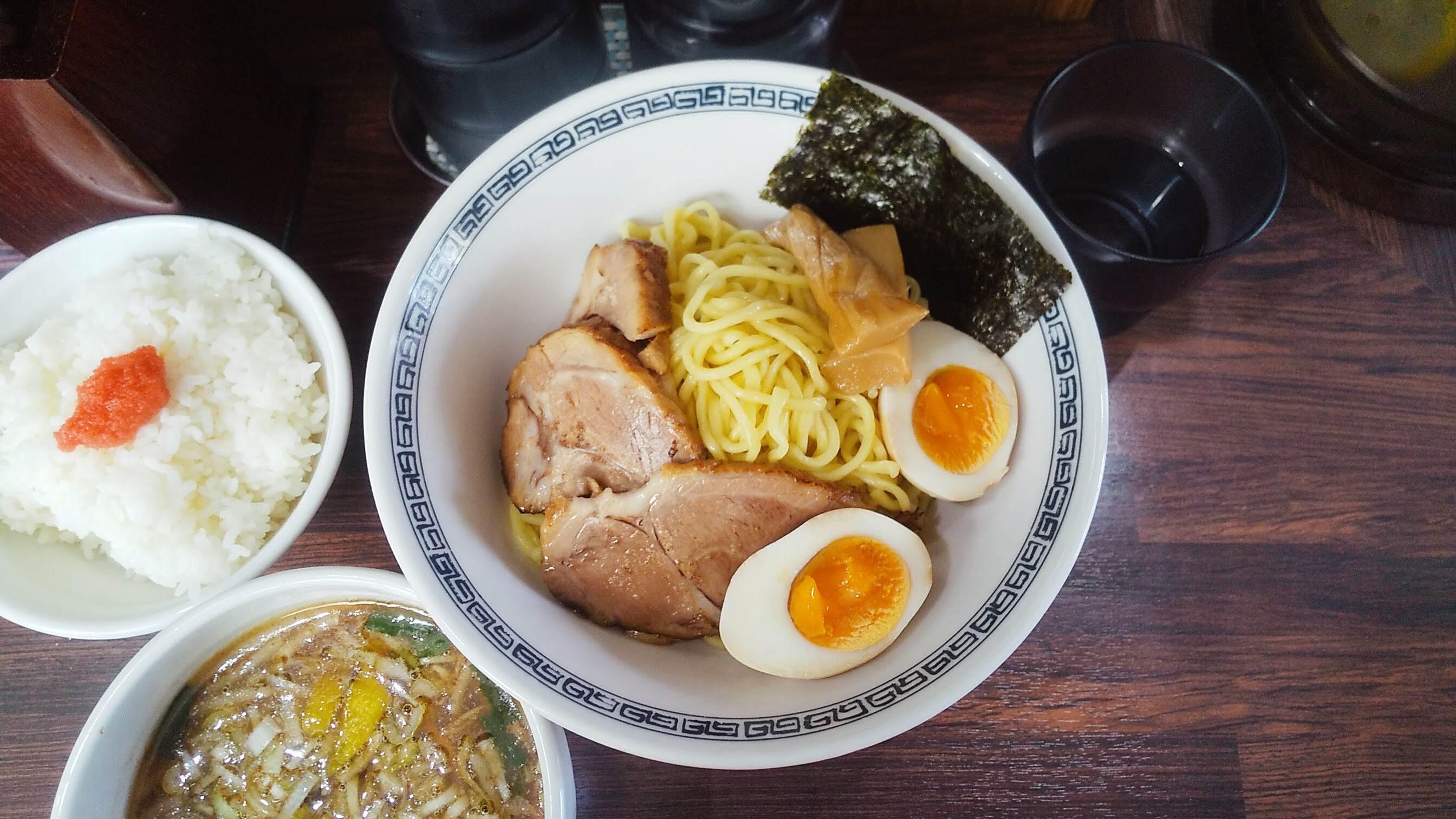 中華そば新のつけ麺の麺皿の写真