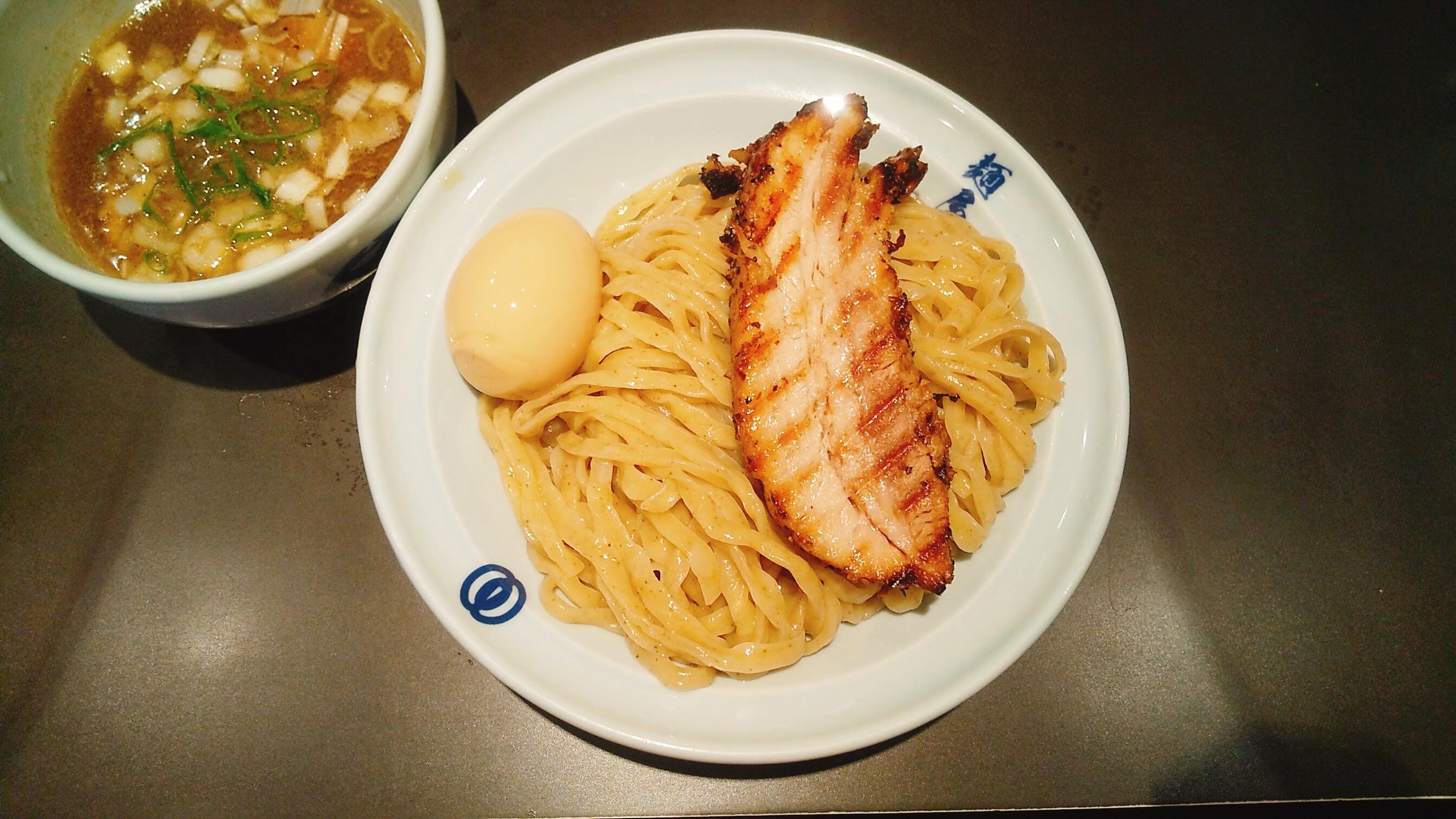 麺屋武蔵虎嘯の濃厚虎嘯つけ麺の麺皿の写真