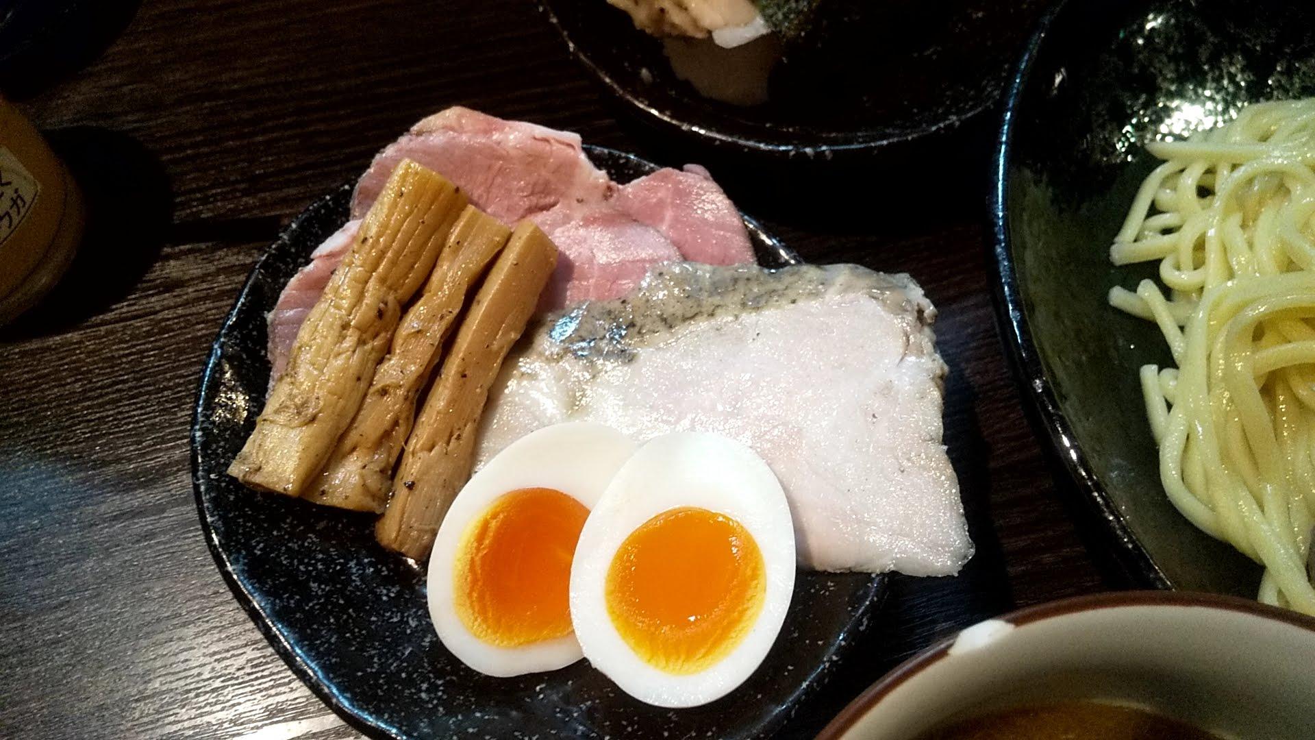 麦屋浮浪雲のつけ麺特製盛の特製盛りの写真