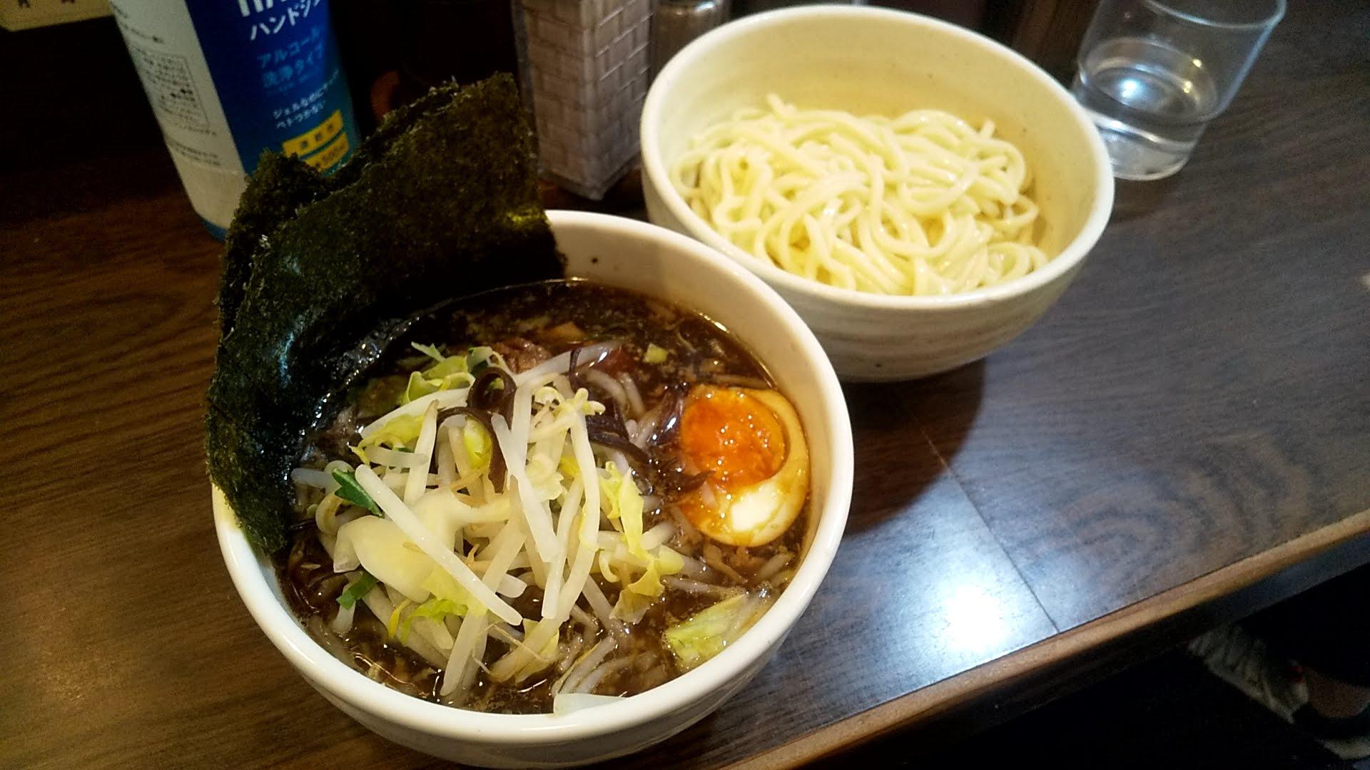 麺舗十六のつけ麺十八番とっぴんぐの写真