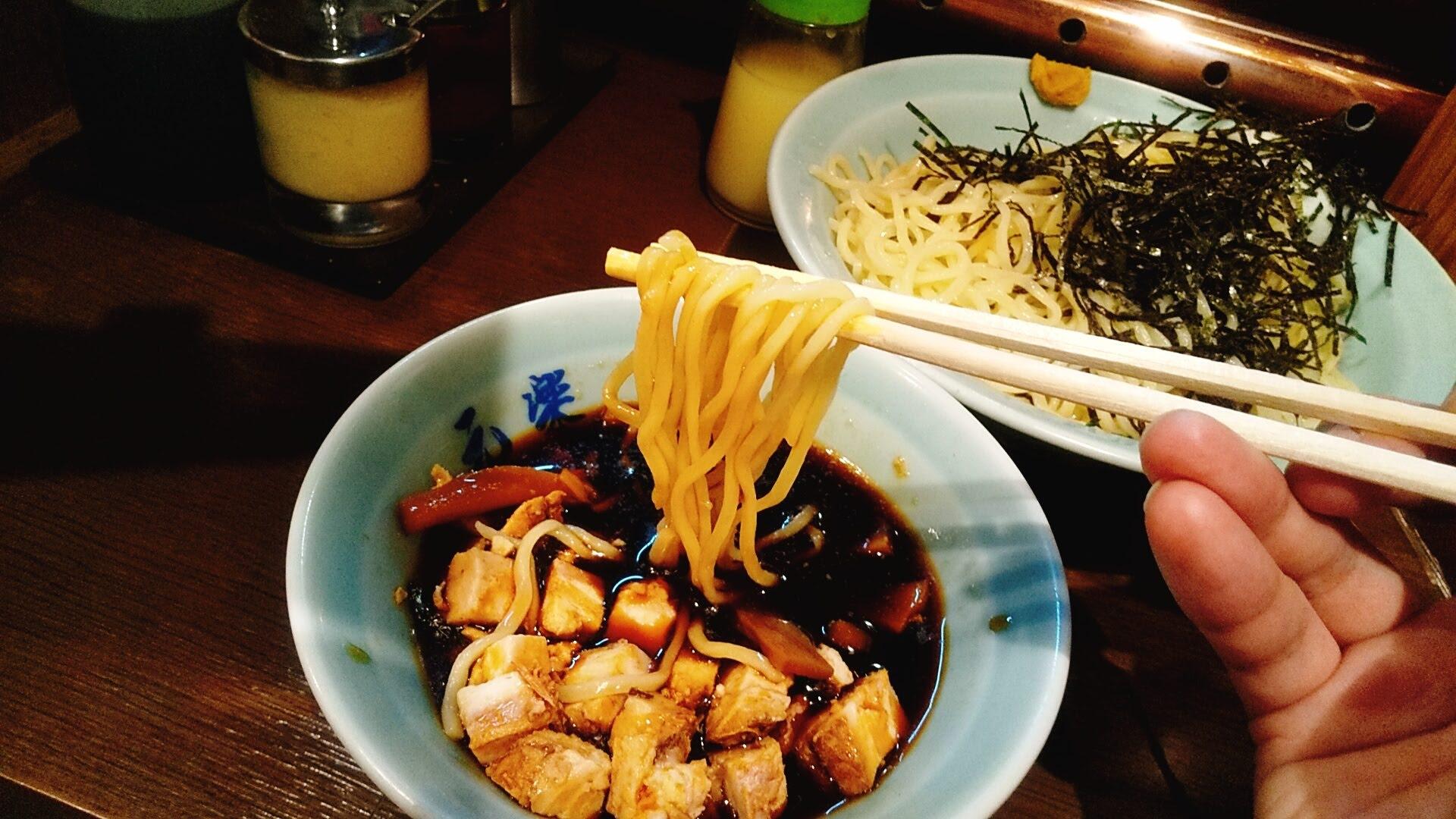 元楽のつけ麺の麺リフト写真